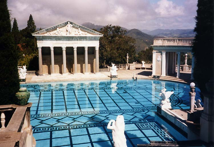 Hearst_Castle_pool.jpg