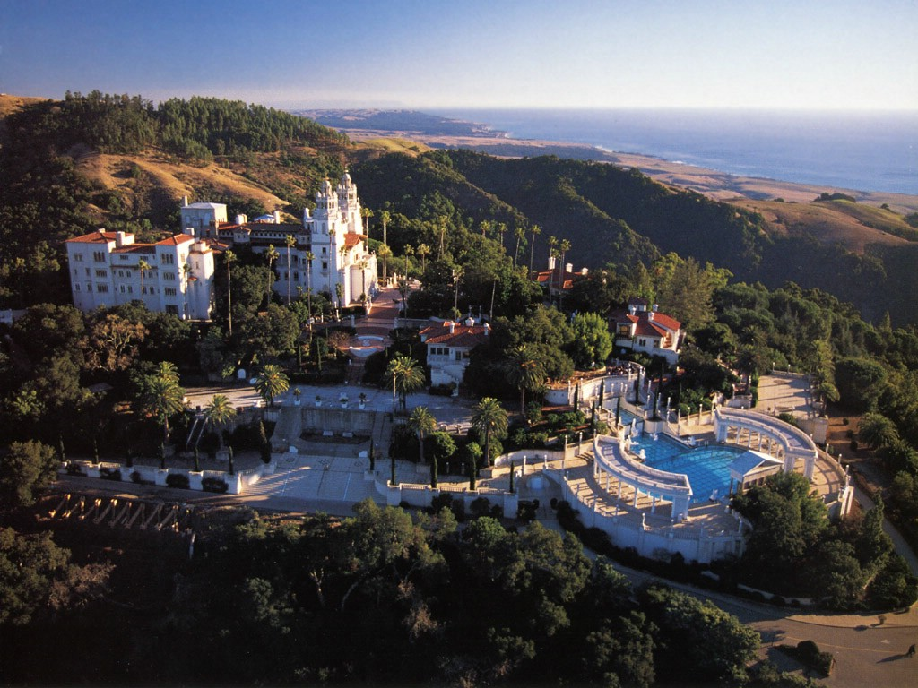 Hearst-Castle-San-Simeon-California1.jpg