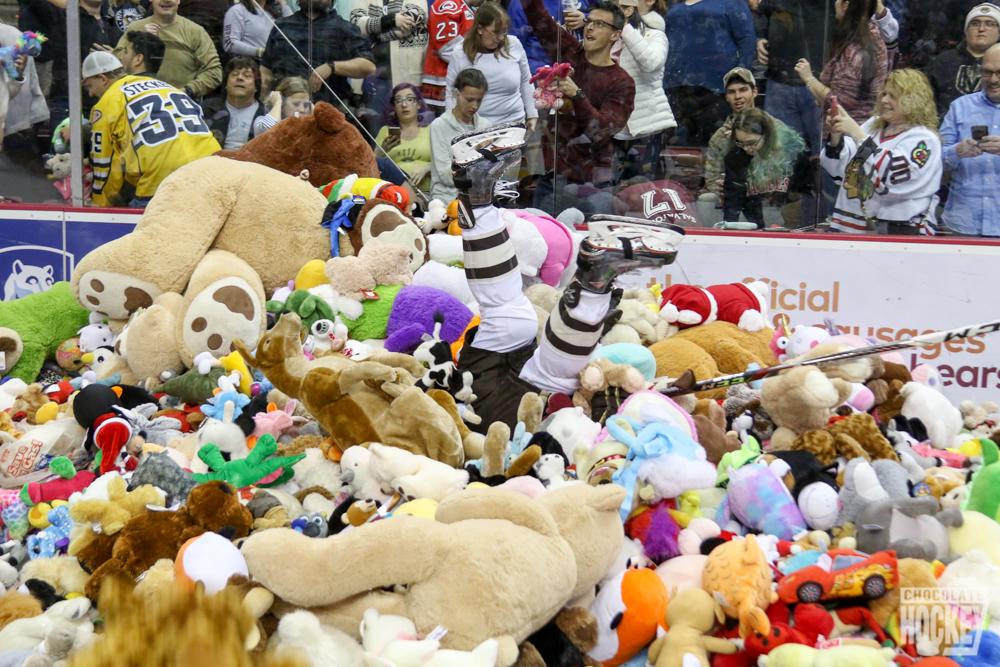 teddy bear toss 2018 hershey bears-14.jpg