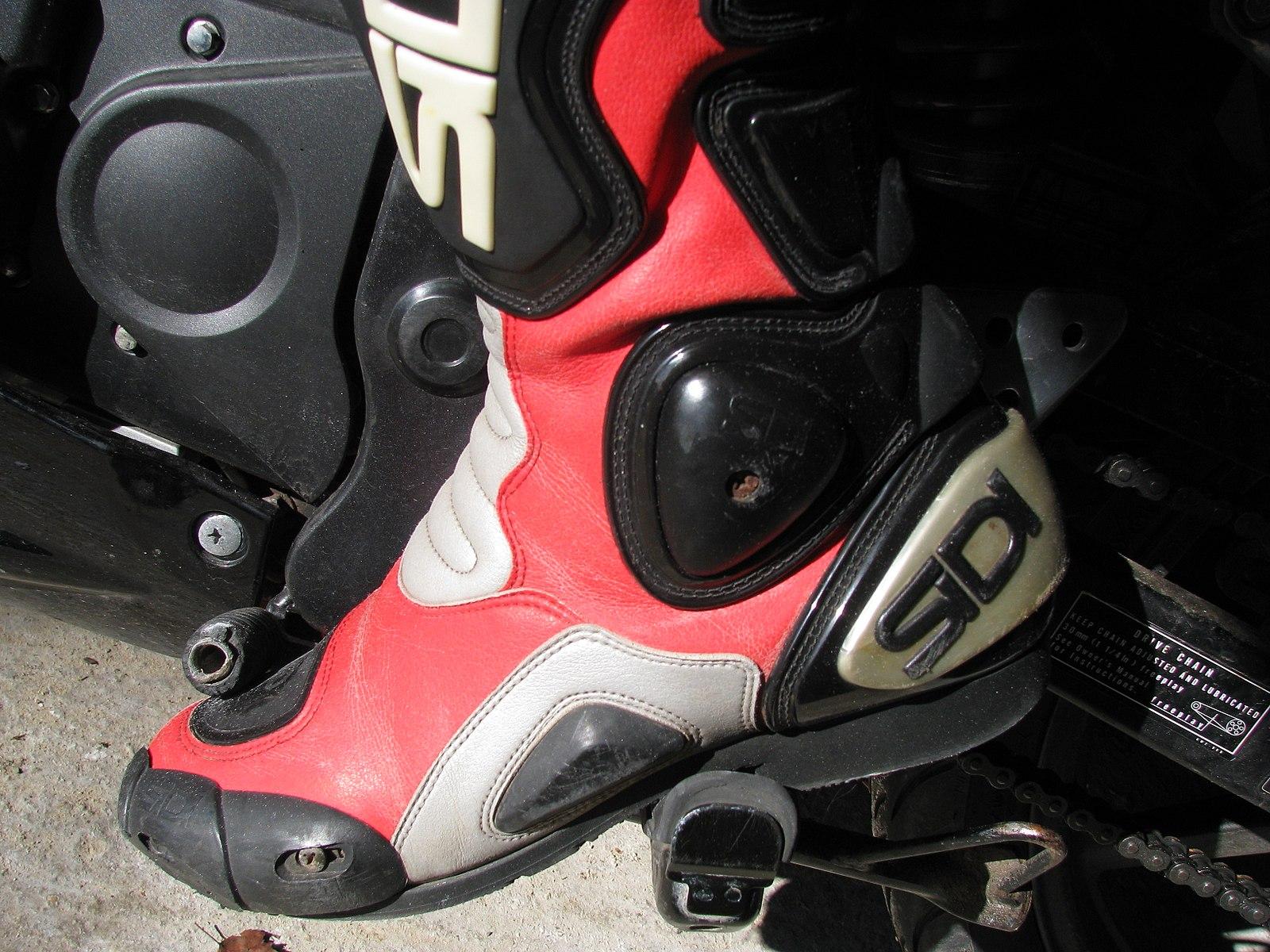 Dirt bike boots.jpg