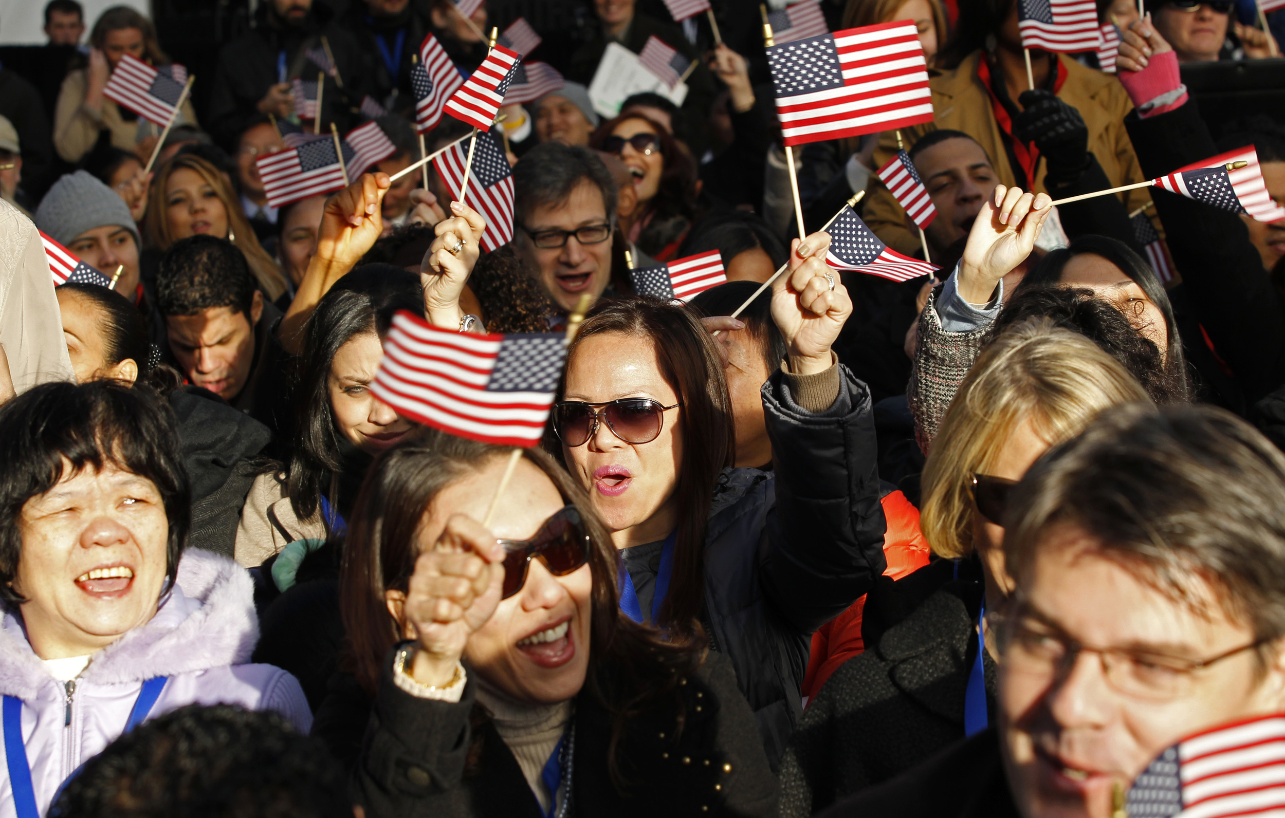 USCIS to Welcome Nearly 20,000 New U.S. Citizens in Naturalization Ceremonies Around Presidents Day