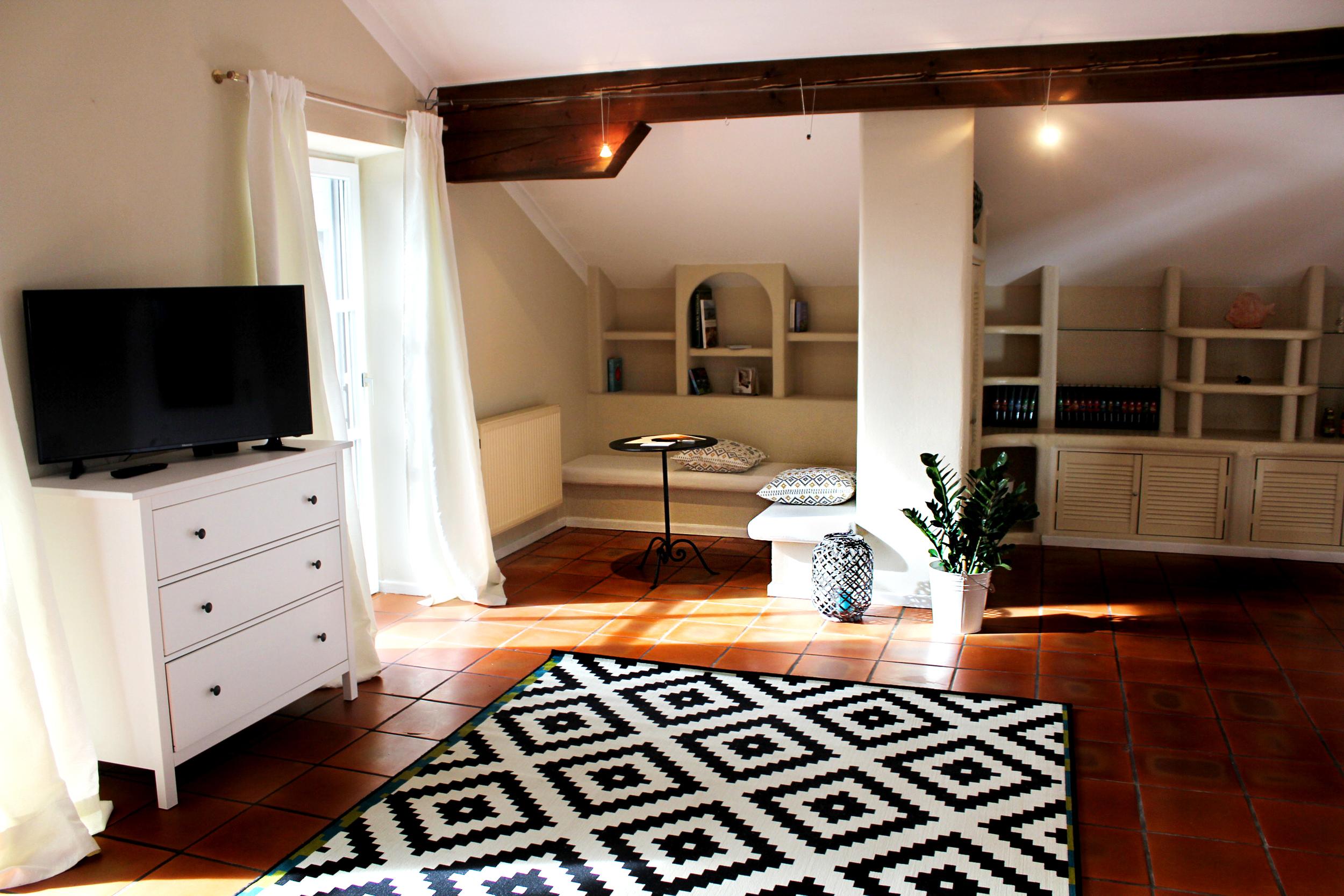 Zimmer-Apartment.jpg