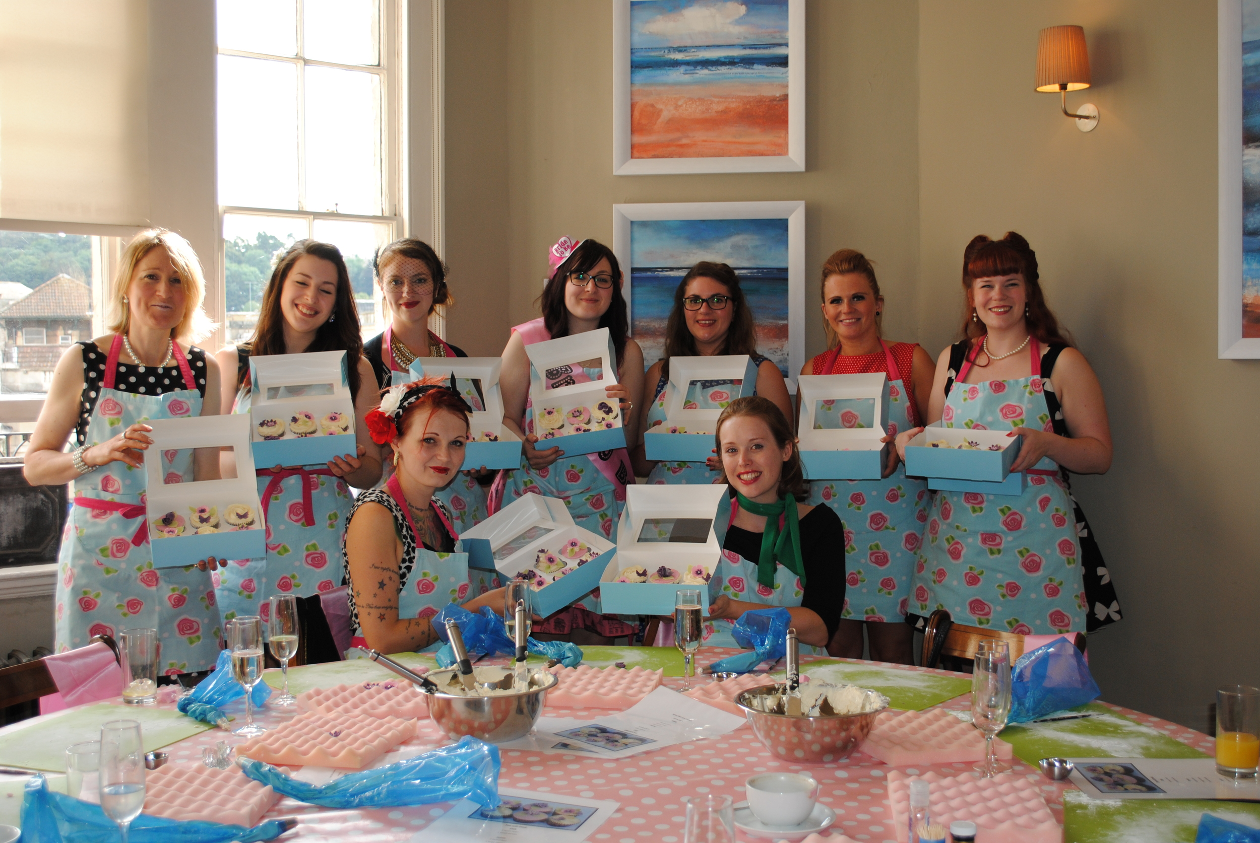 Things to in Bath Hen Party Day Cupcake Decorating Classes