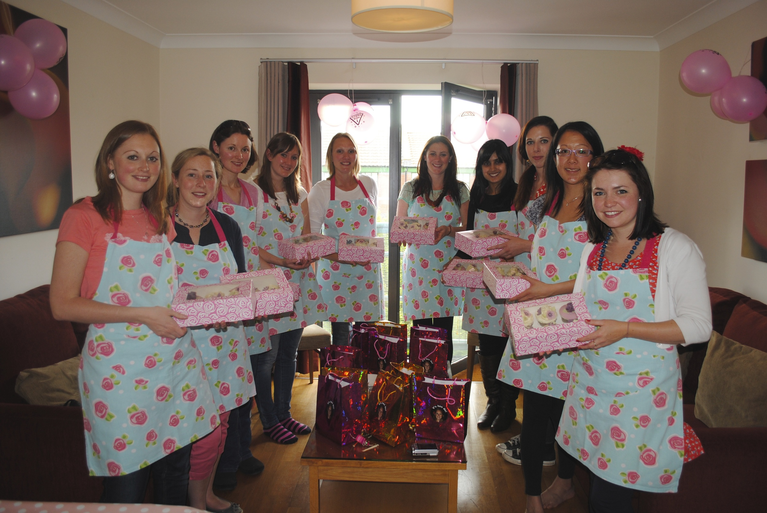 hen party cupcake decorating class