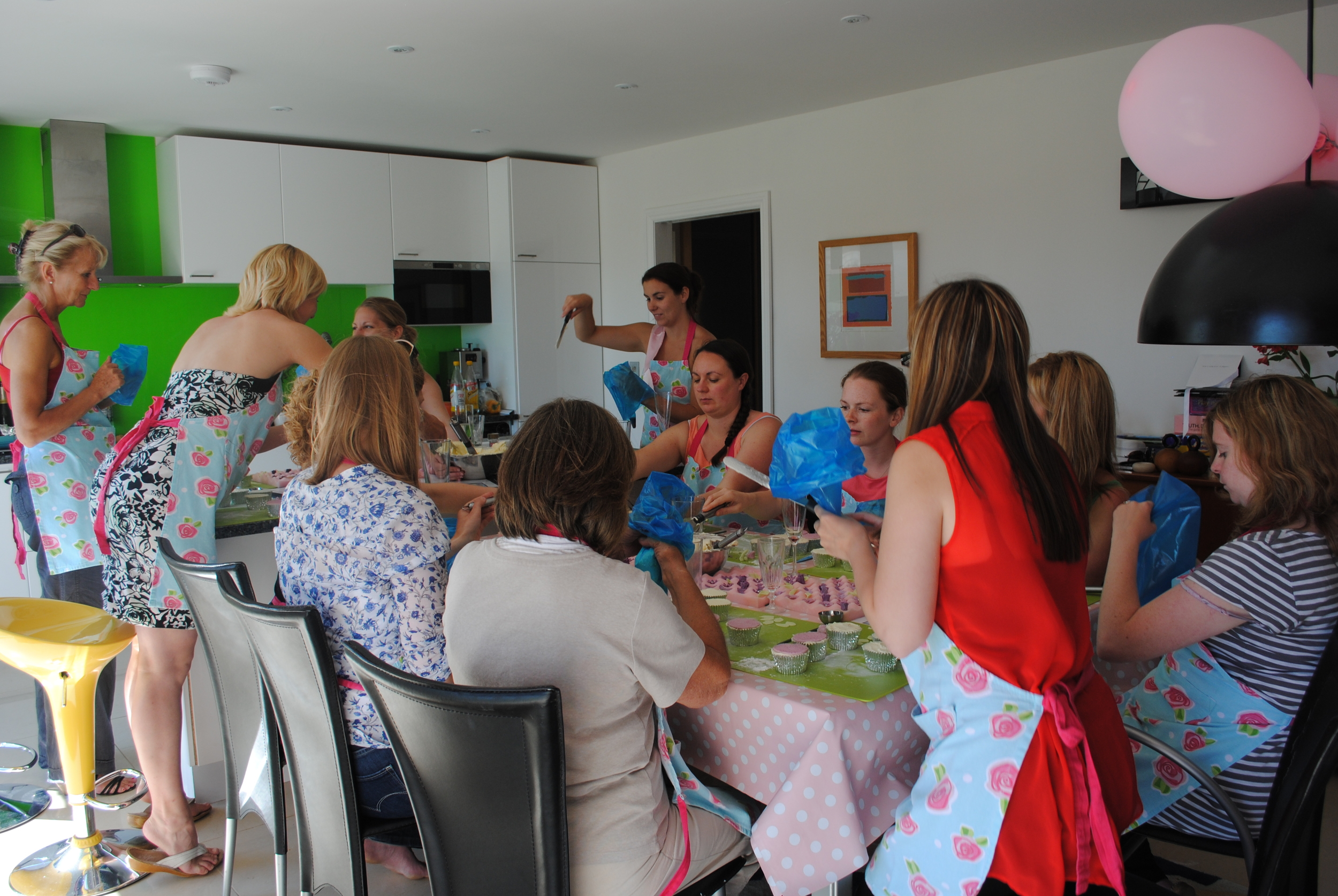 cupcake decorating class at home