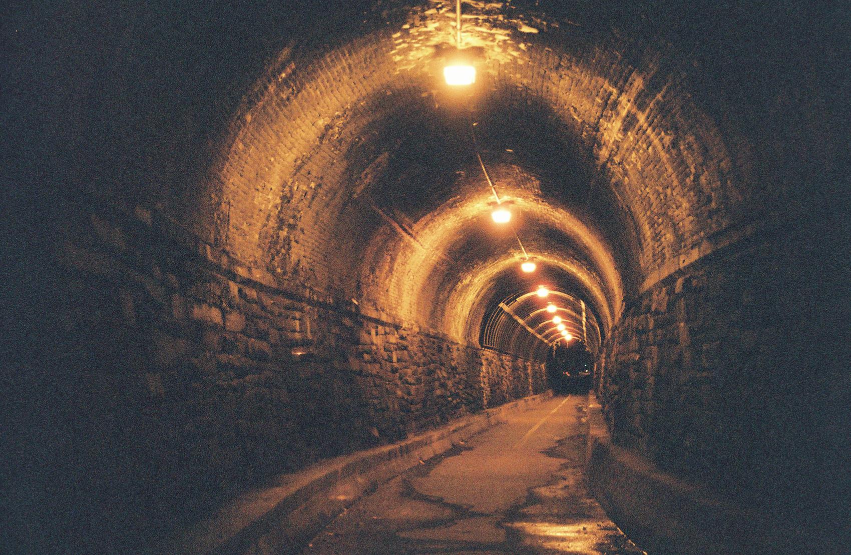 Tunnel-Leica.jpg