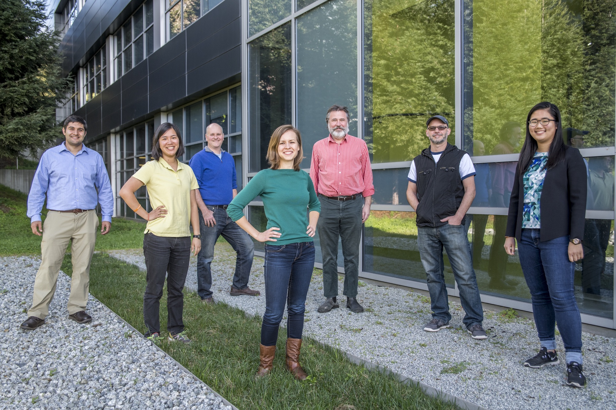 Laminera's team comprises (front row, left to right) Stephanie Liu, Lauren Otto, Ph.D. (center), and Rowena Ng. It also includes Molecular Foundry collaborators and co-developers (back row, left to right) Ed Barnard, Ph.D., Adam Schwartzberg, Ph.D., Shaul Aloni, Ph.D., Tev Kuykendall, Ph.D., and (not pictured) Alan Buckley and Ed Wong.