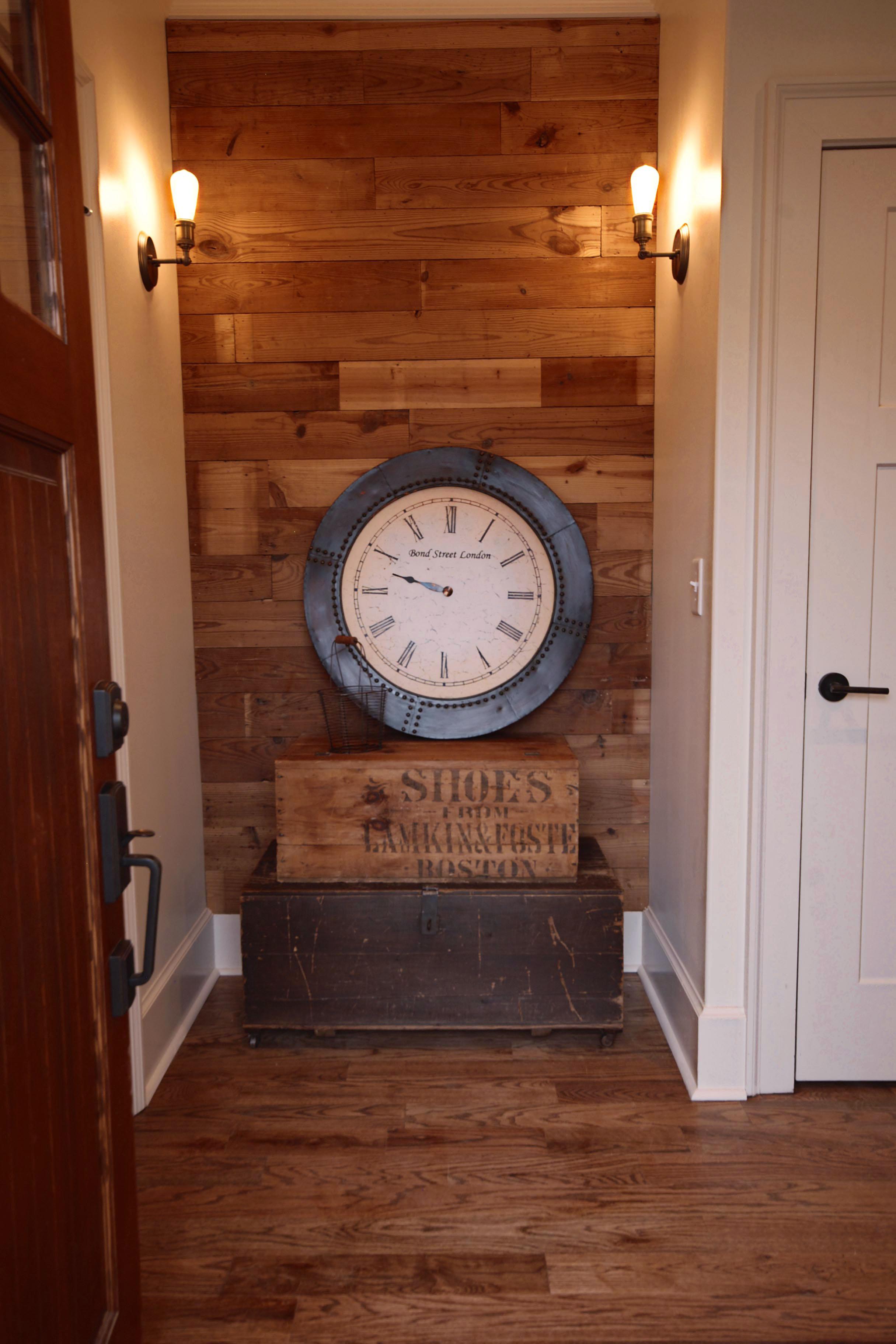 reclaimed wood wall via Drum Homes