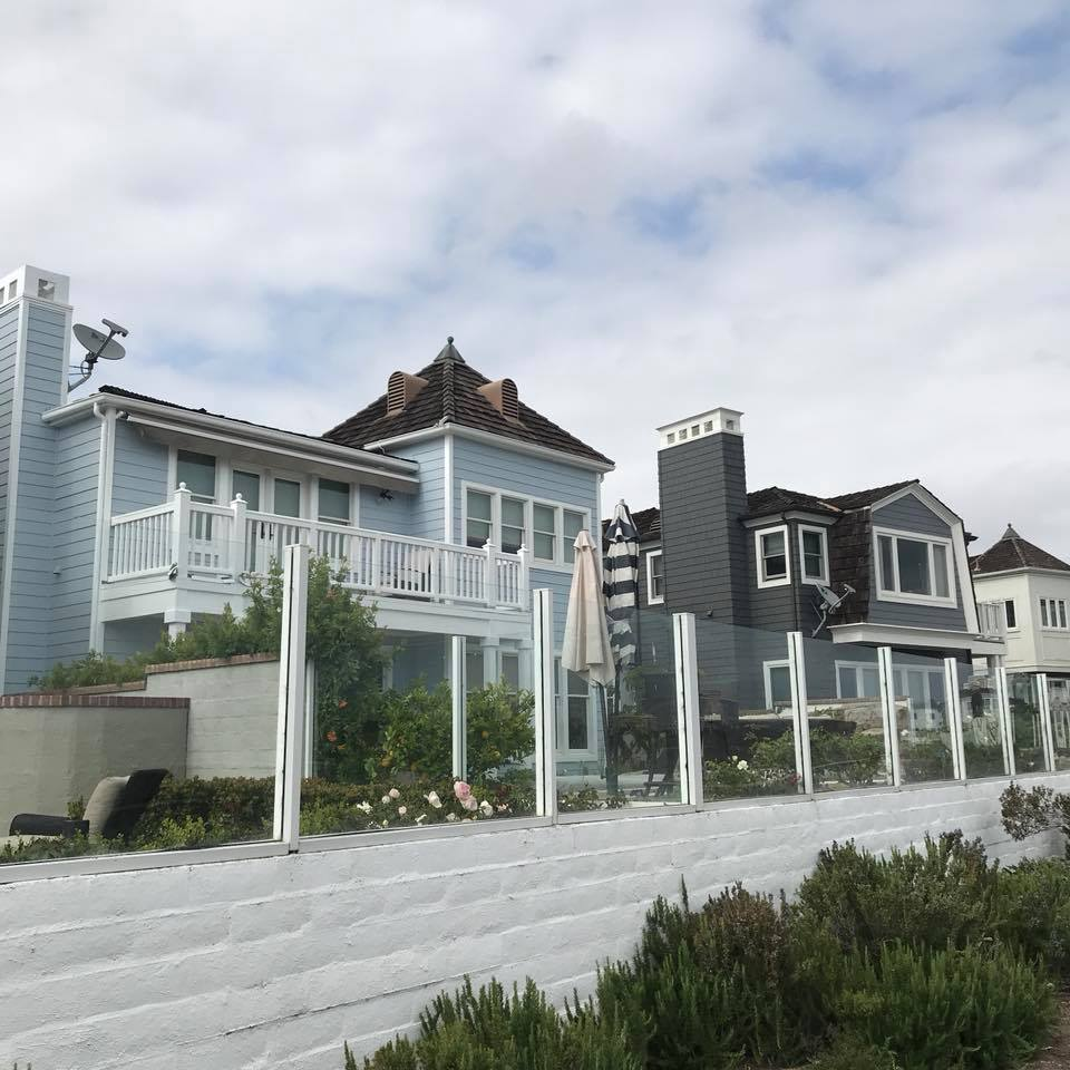Obsessed with these beach houses!