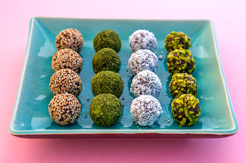 From left to right: Gomasio, Matcha, Shredded coconut, pistachio.