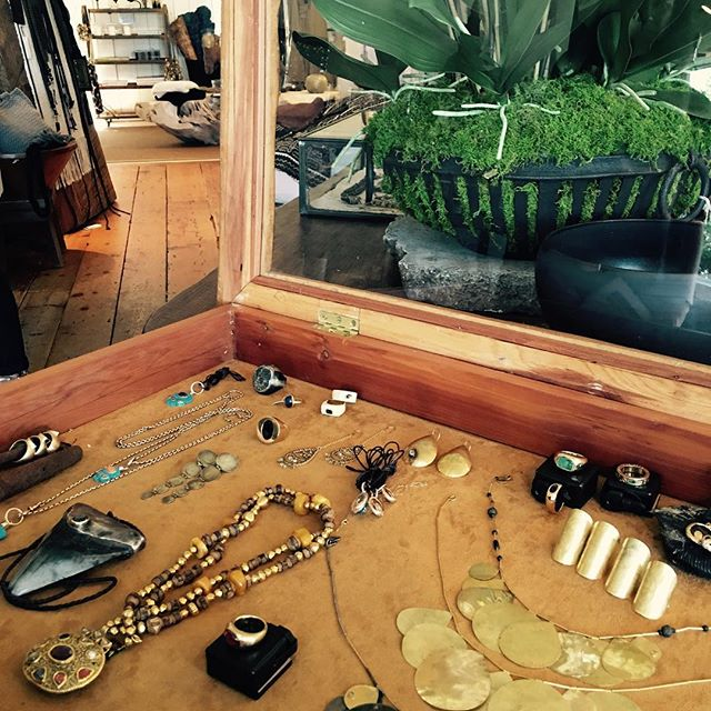 HAMPTONS TRUNK SHOW today @urbanzen 11 am to 5 pm #friendshiplaughtercreativity