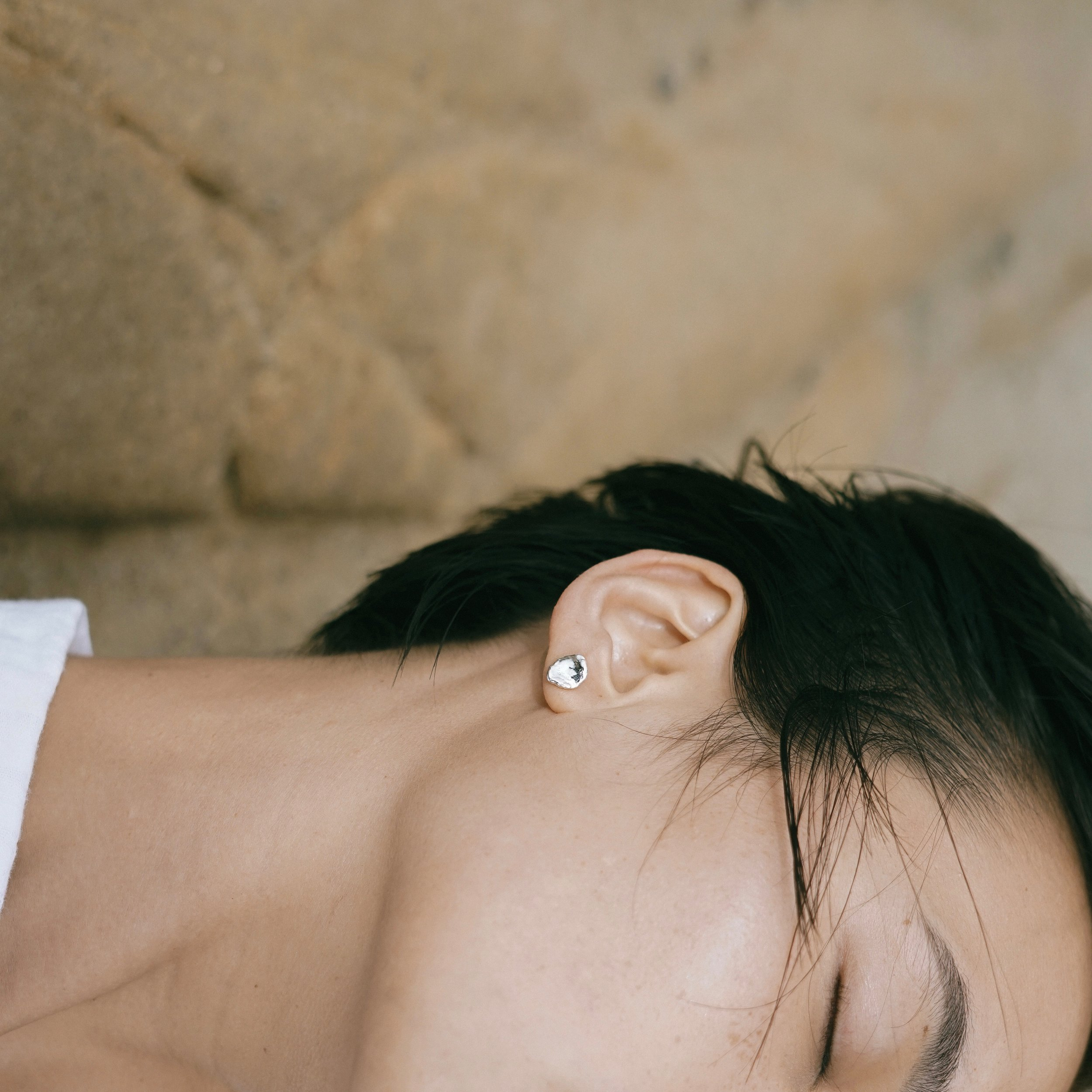 These extraordinary pearl studs, for an extraordinary mom.