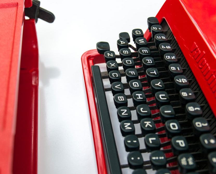 Olivetti Valentine Typewriter: Manual
