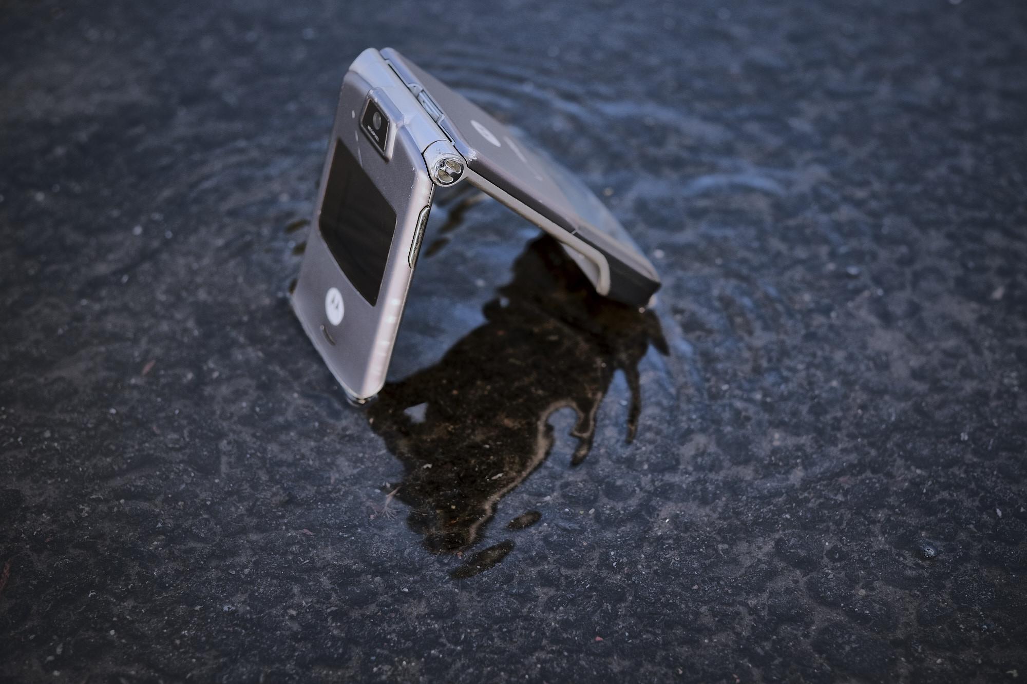 Motorola razr v3 phone
