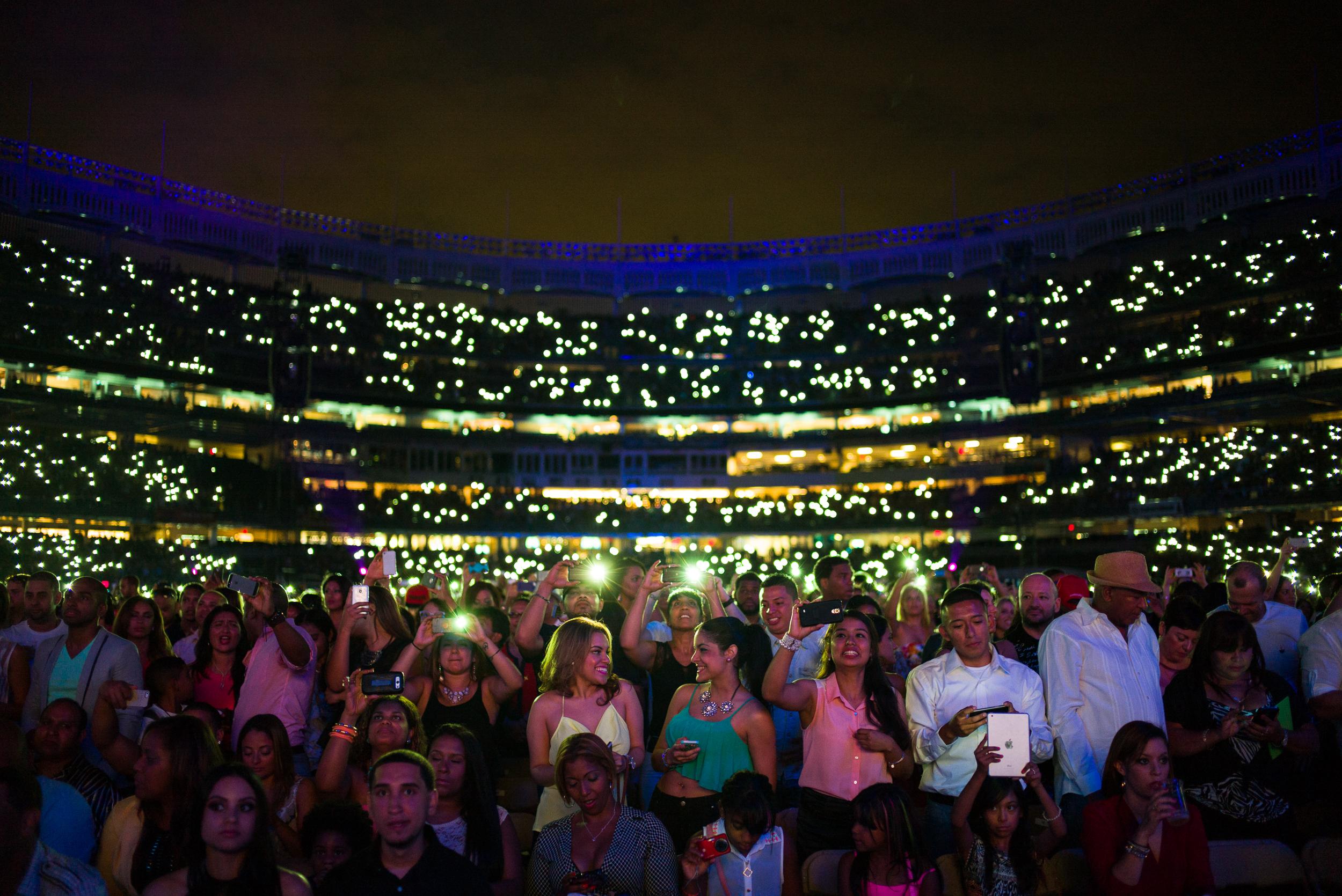 Romeo Santos - Yankee Stadium Crowd