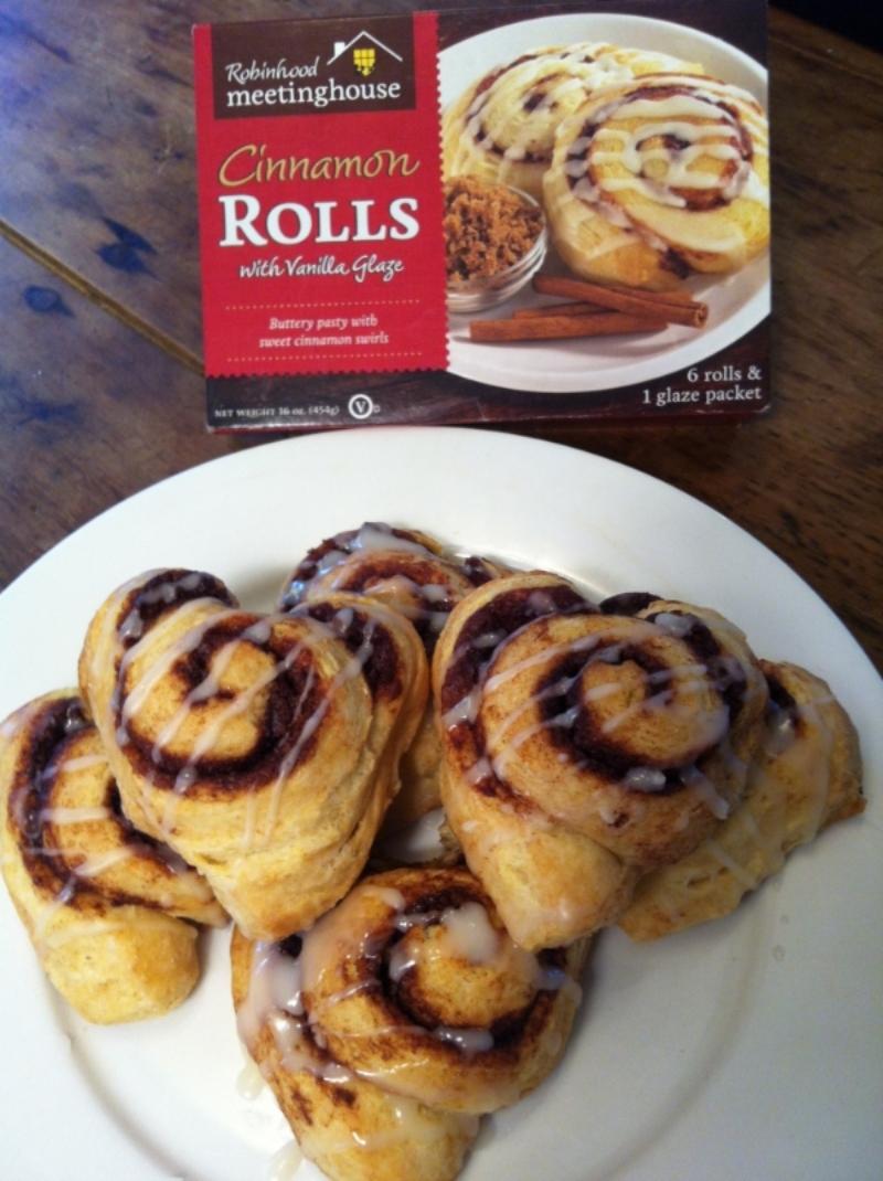 Cinnamon Roll hearts!  | Robinhood Meetinghouse Cinnamon Rolls | Love & Biscuits