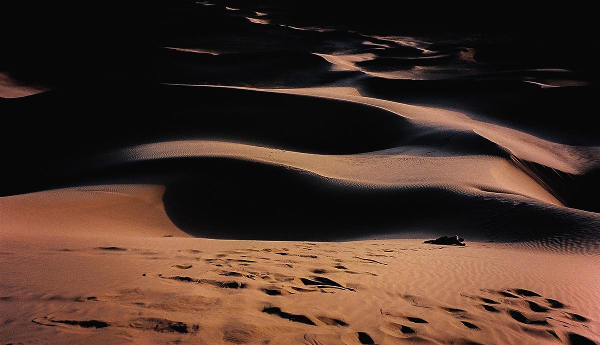 Revisited-Fotografia-Photography-Serie-Series-Viagem-Travel-Marrocos-Morocco-Cultura-Culture-Deserto-Desert-bonjourmolotov-Andre-Gigante-02.jpg