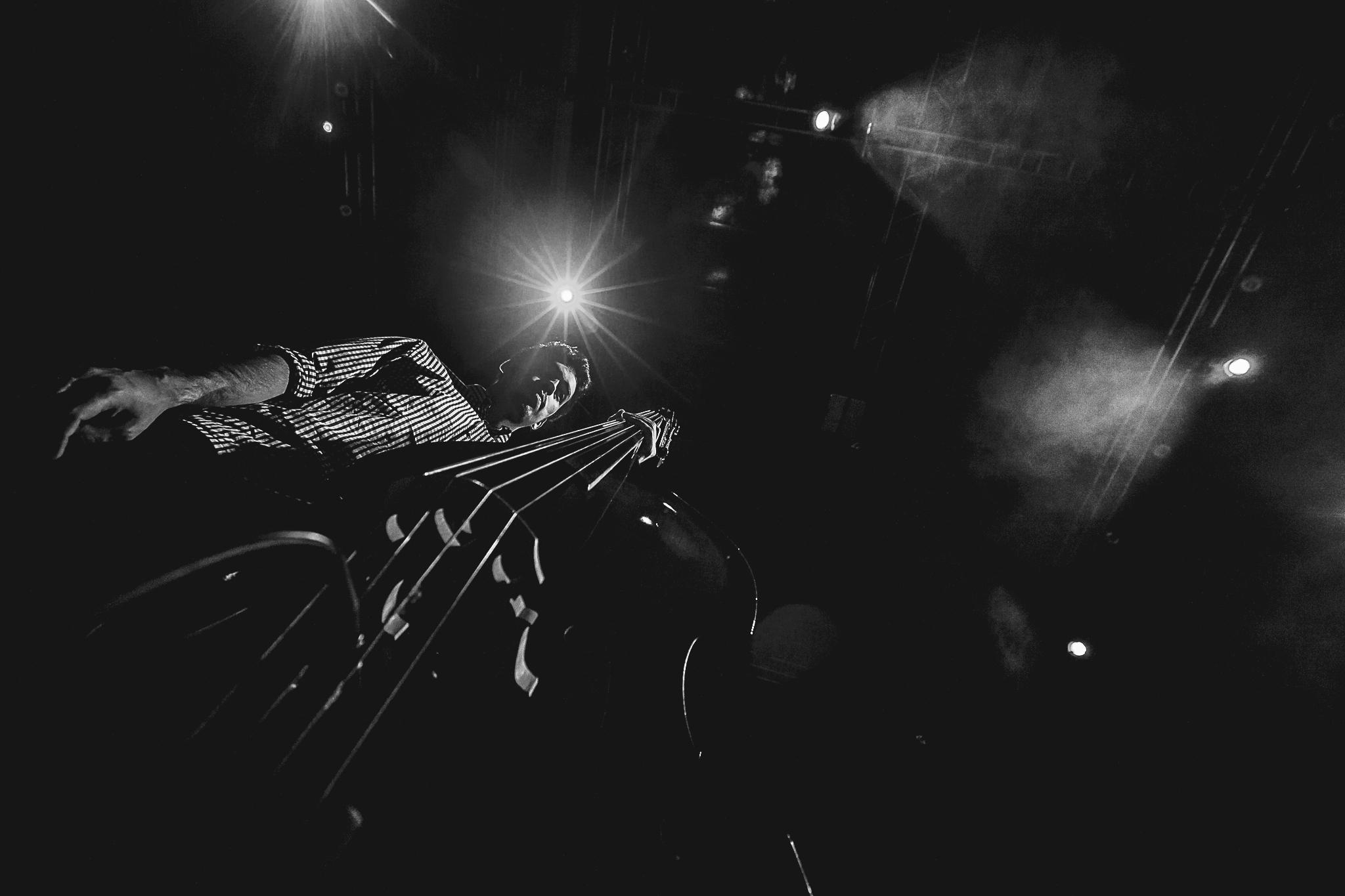 Edu Mundo Sala Suggia Casa da Musica Photography Fotografia On Stage Concert bonjourmolotov Andre Gigante 13