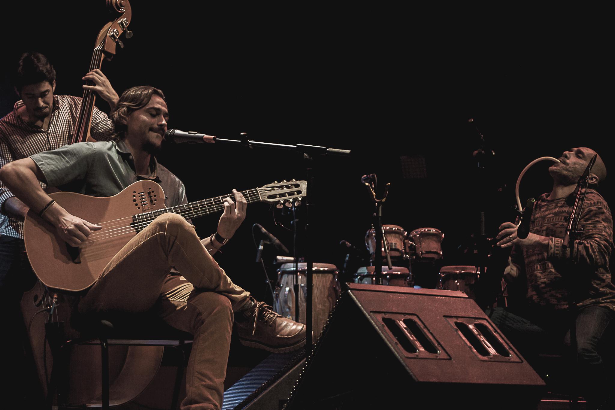 Edu Mundo Sala Suggia Casa da Musica Photography Fotografia On Stage Concert bonjourmolotov Andre Gigante 15