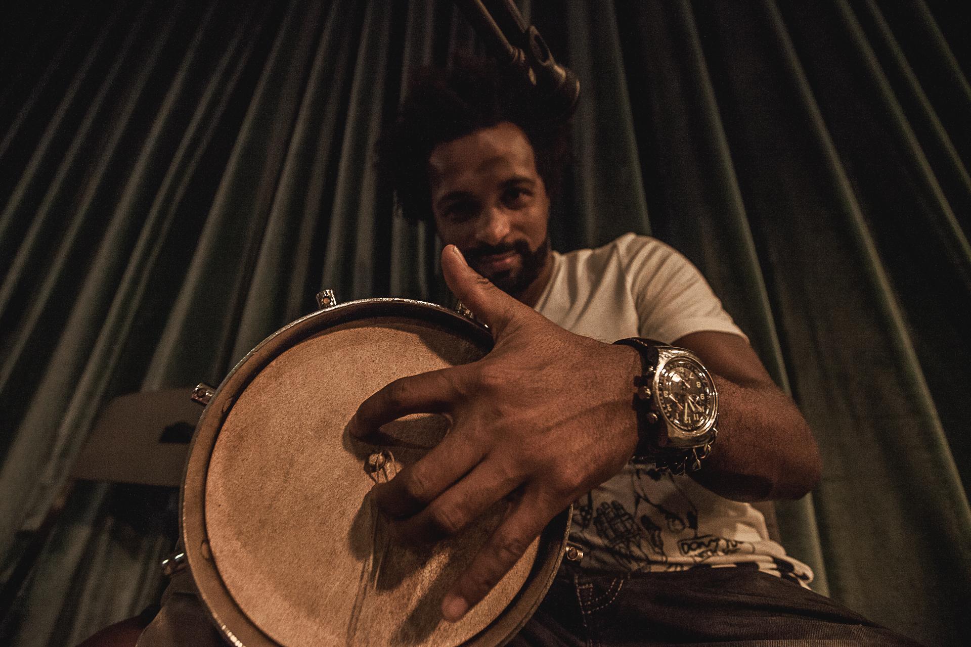 Quintal do Samba Rua Concert On Stage Photography Fotografia bonjourmolotov Andre Gigante 02