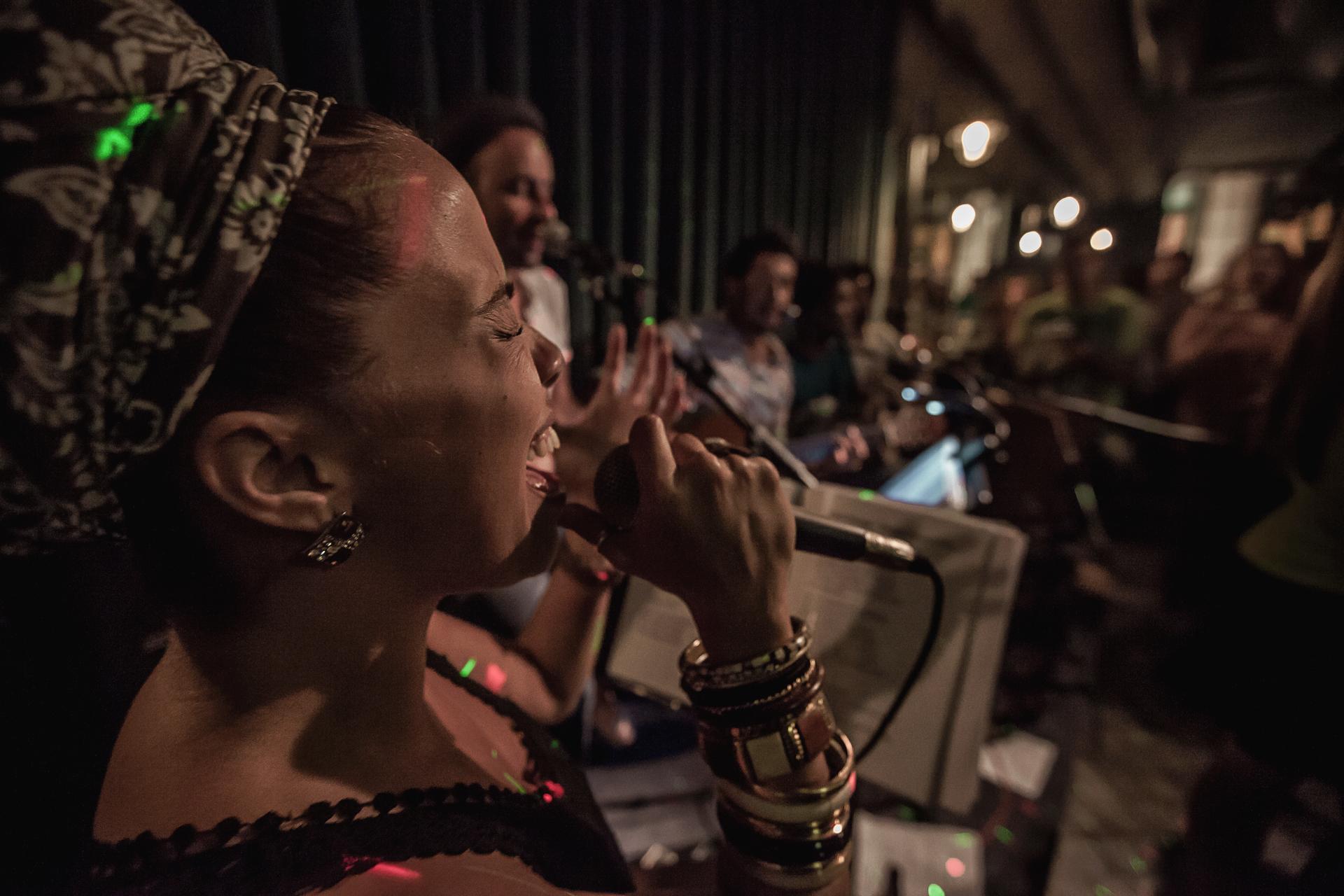 Quintal do Samba Rua Concert On Stage Photography Fotografia bonjourmolotov Andre Gigante 06