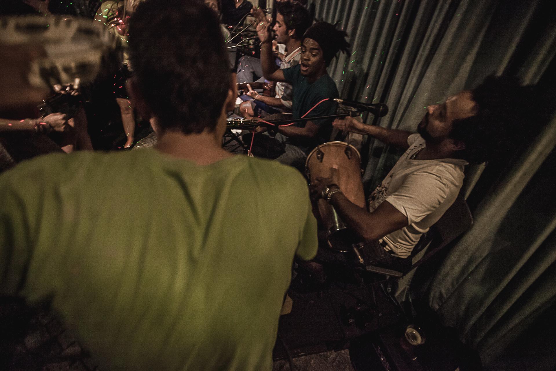 Quintal do Samba Rua Concert On Stage Photography Fotografia bonjourmolotov Andre Gigante 10