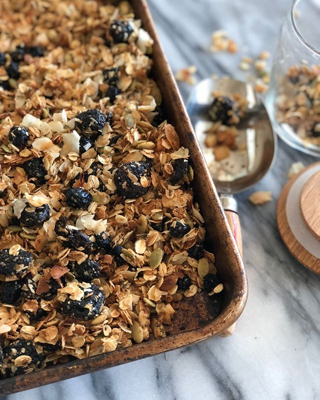 Granola for the win! Recipe at #TheTableTogether or via link in profile 👆.⁣ .⁣ .⁣ .⁣ #granola #homemadegranola #oats #breakfast #food52⁣ #healthyfood #thekitchn #f52grams #foodwinewomen #yogurt #eathealthy #huffposttaste #feedfeed #buzzfeast #thetabletogether #nomnom #thefeedfeed #instayum #food52 #inthekitchen #easyrecipes #weeknightcooking #onthetable