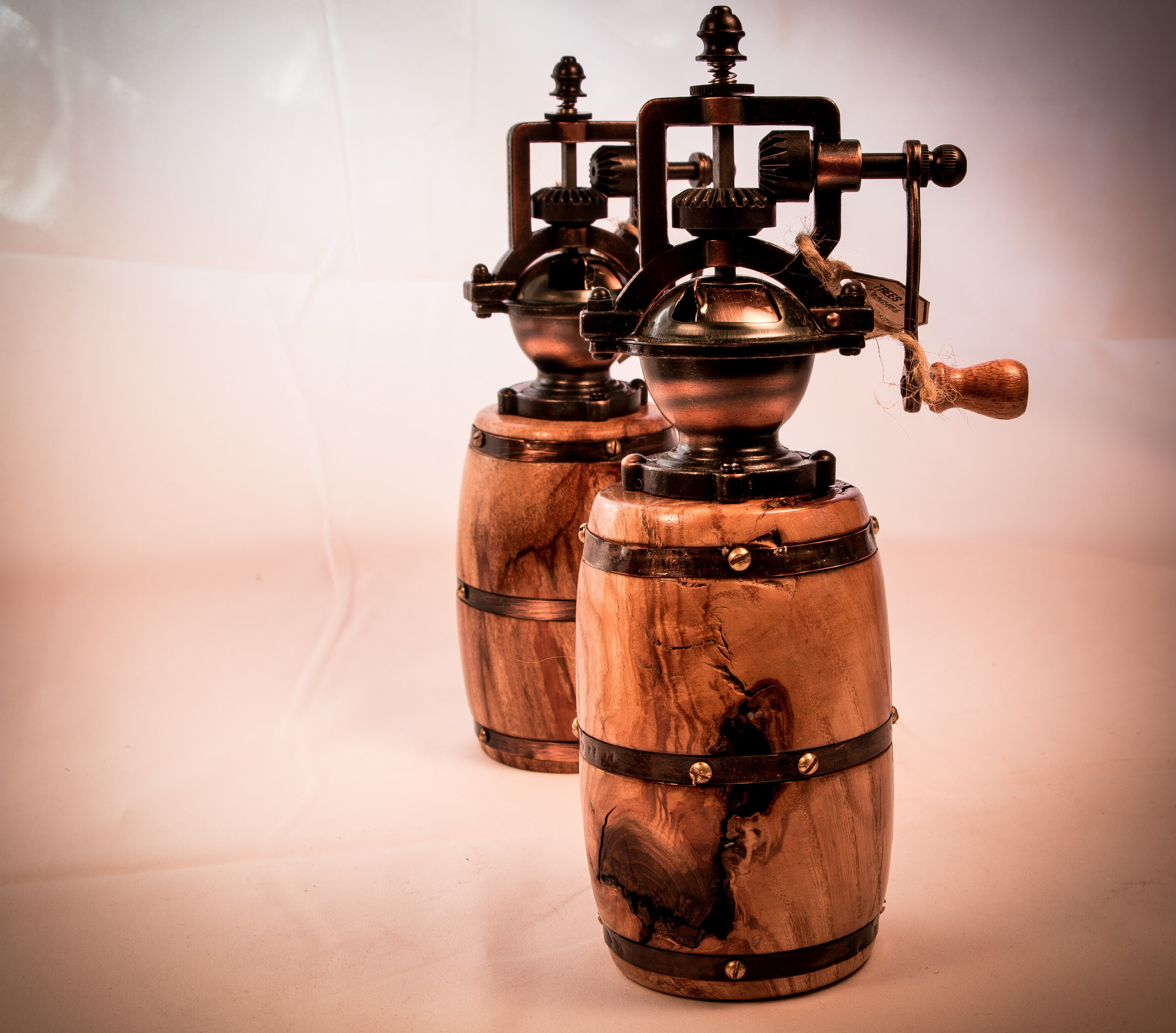 Barrel pepper Grinders