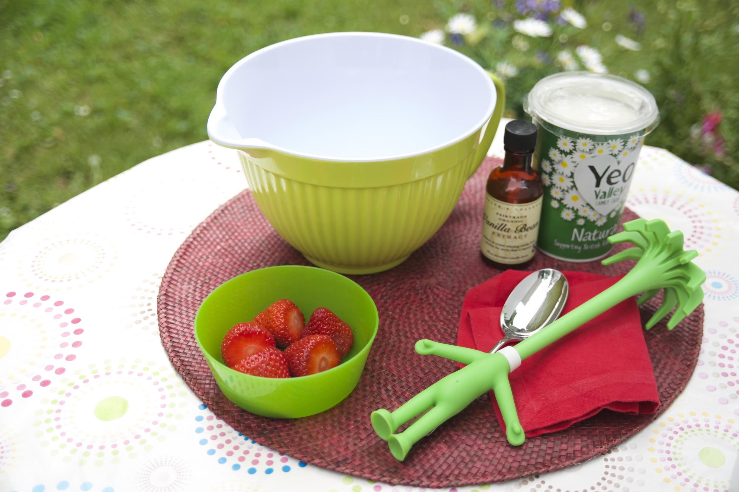 Homemade Strawberry Yoghurt - Tickle Fingers