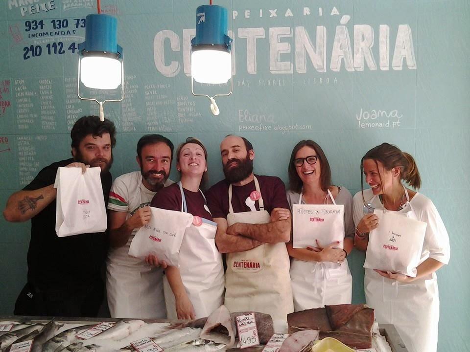 Hélio, Ricardo, eu e a Joana - um cozinheiro e os outros 3 com background em design. Os professores, a Tânia e o Filipe, ao centro.