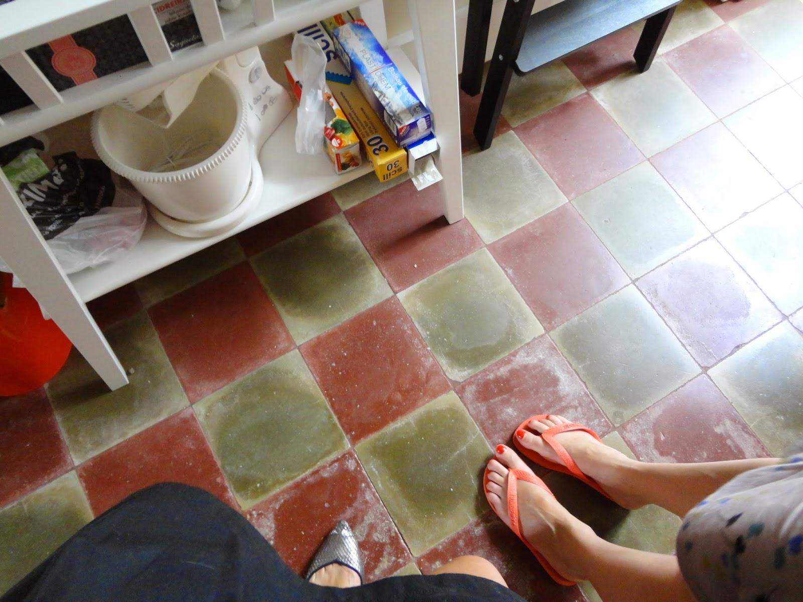 O chão da cozinha bem recuperado.
