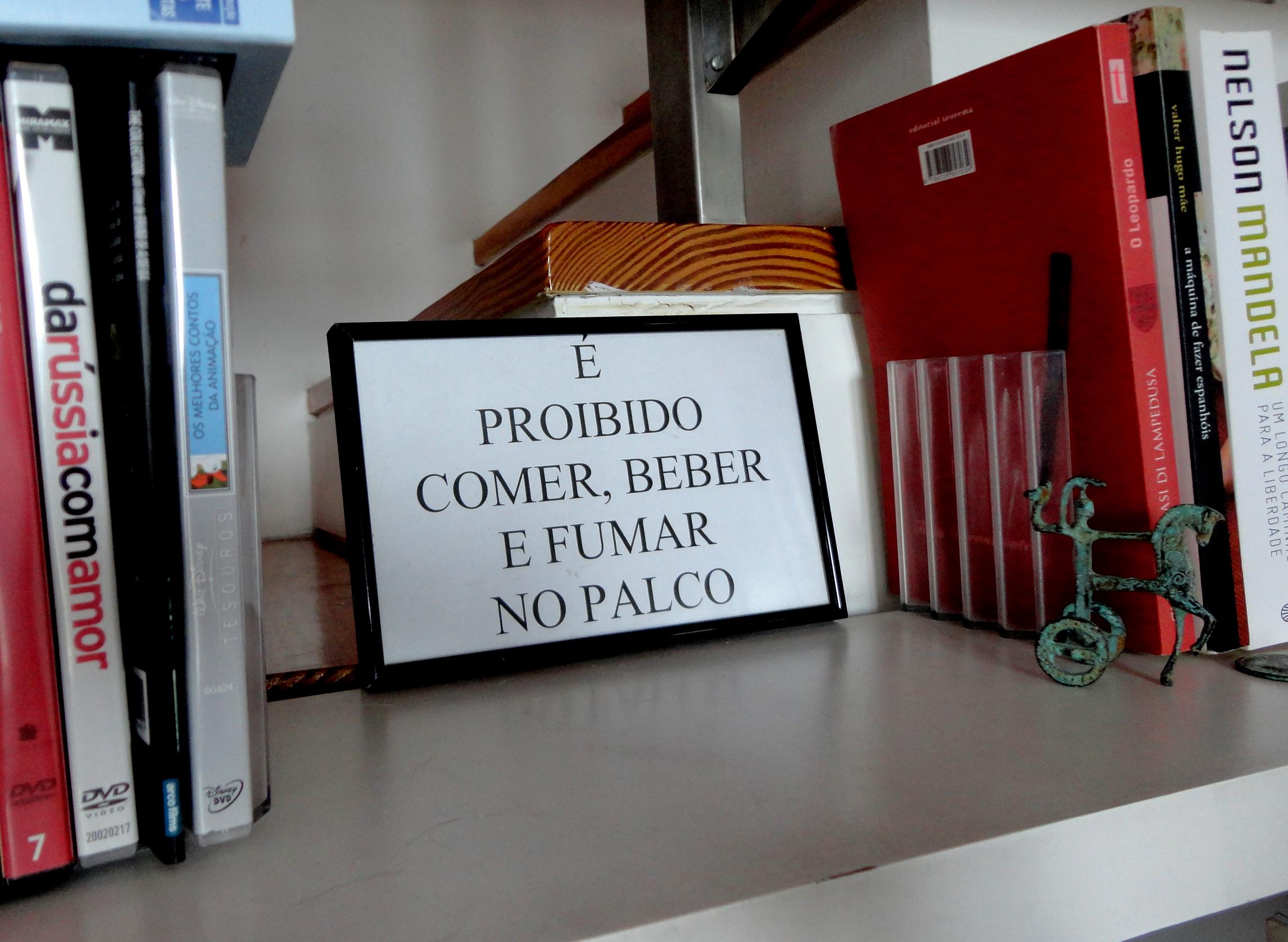"""a sua """"proibição"""" favorita trazida do Brasil. perguntava-me ela: então e se na peça tivéssemos de comer, beber e fumar? como é que fazíamos?"""