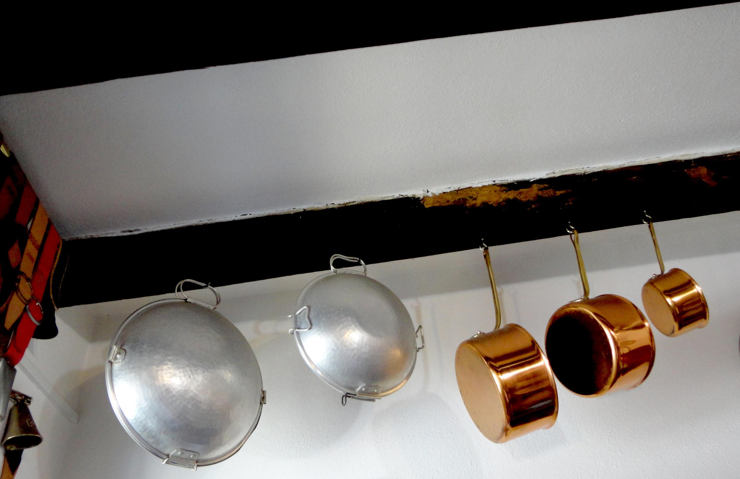 as cataplanas e os tachos de cobre - quem é que não deseja ter estes objectos em casa?