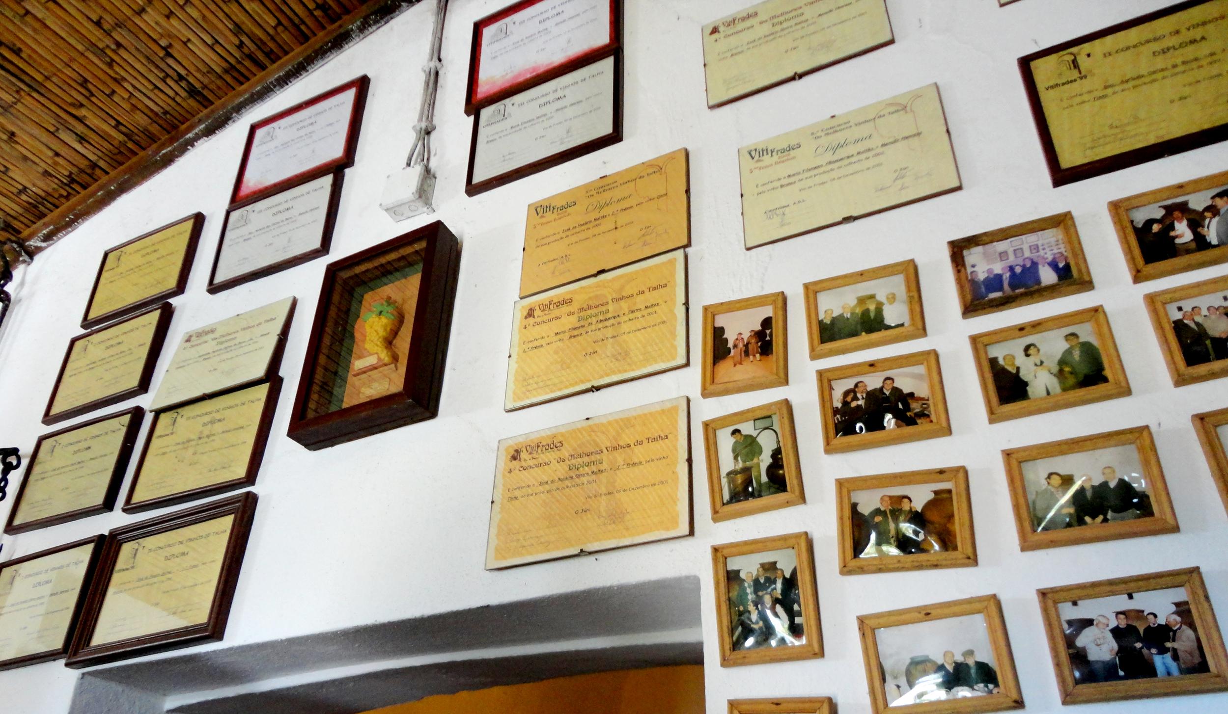 as estórias à volta destas fotos e diplomas são infinitas e dizem-nos que nada é impossível