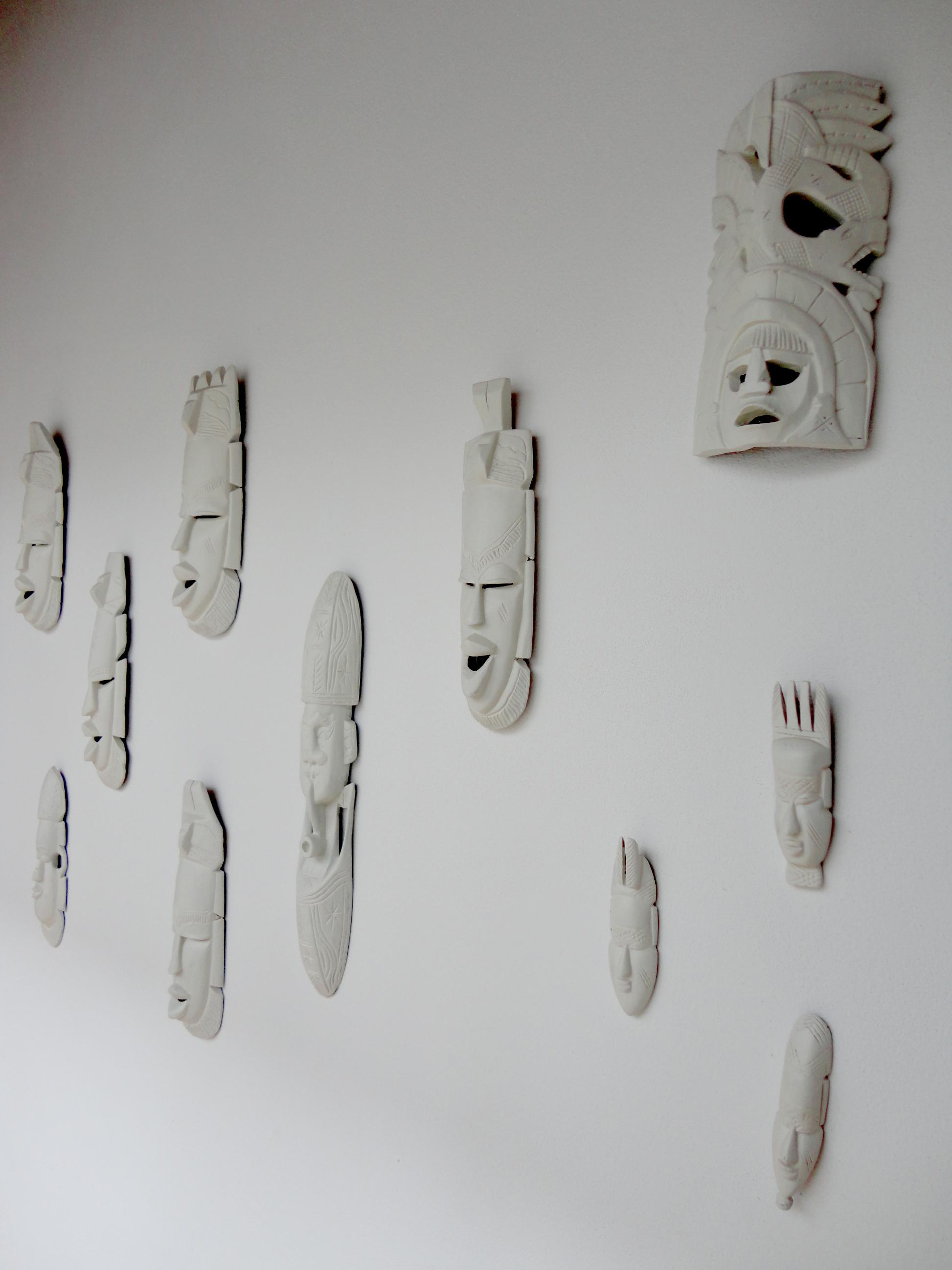 peças africanas bem contextualizadas na casa.