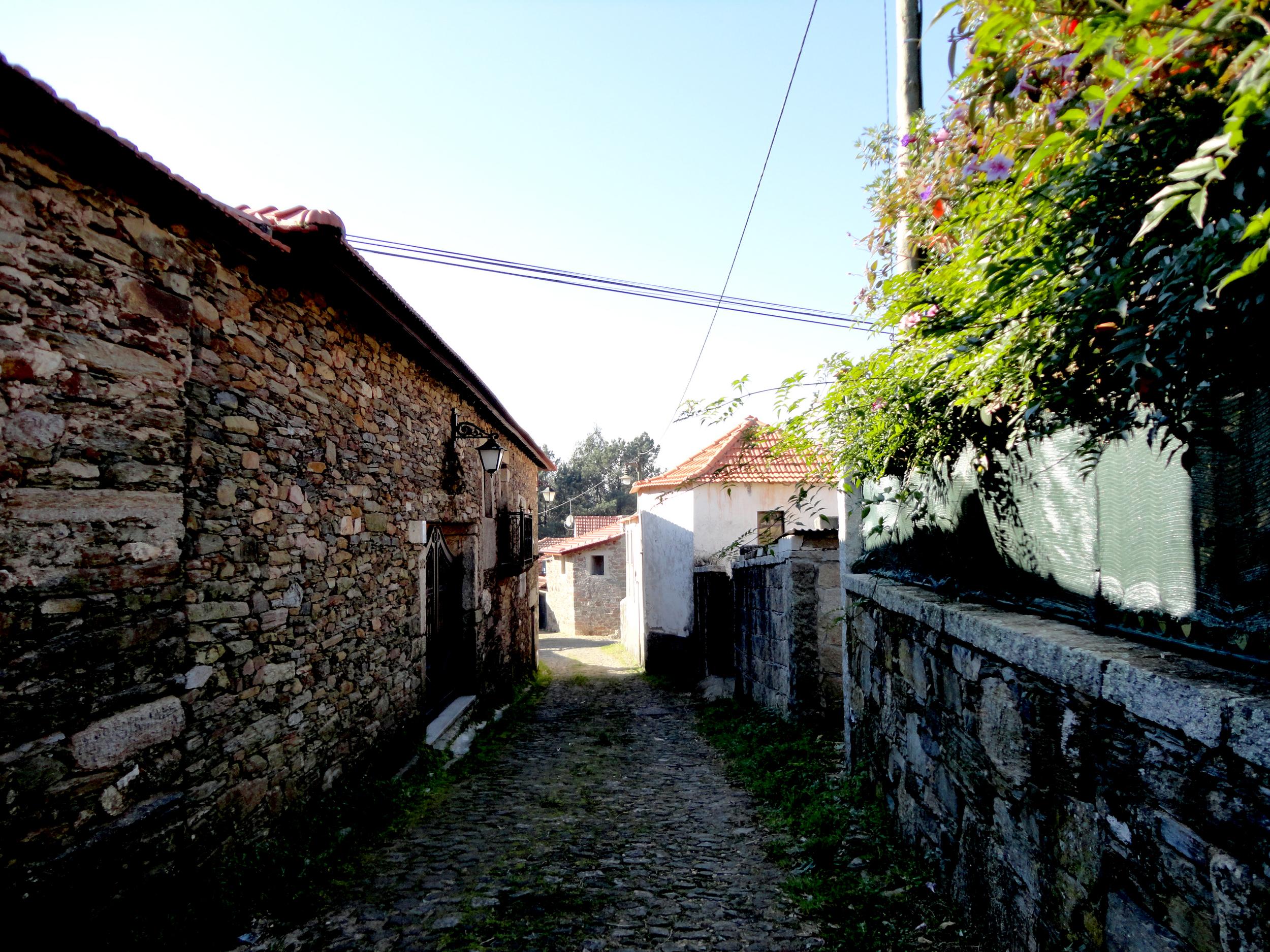 rua josé varanda, 350 - lourizela, préstimo, aveiro.
