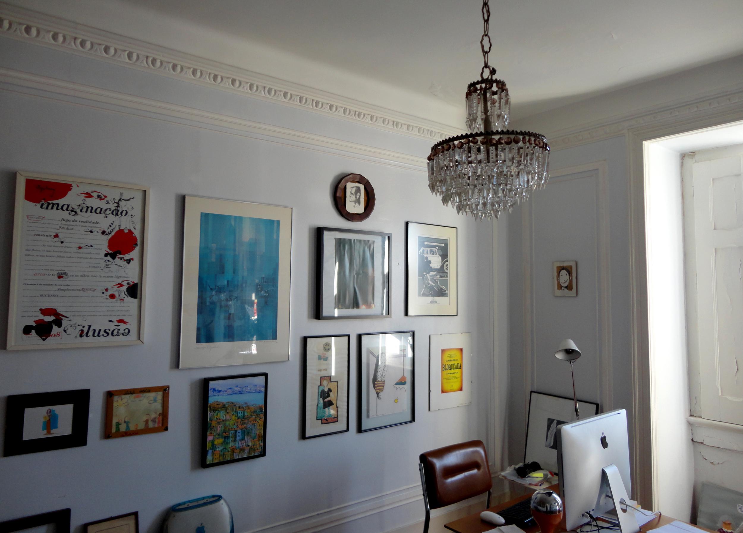 adoro paredes vestidas de pinturas, desenhos, ilustrações, de memórias.