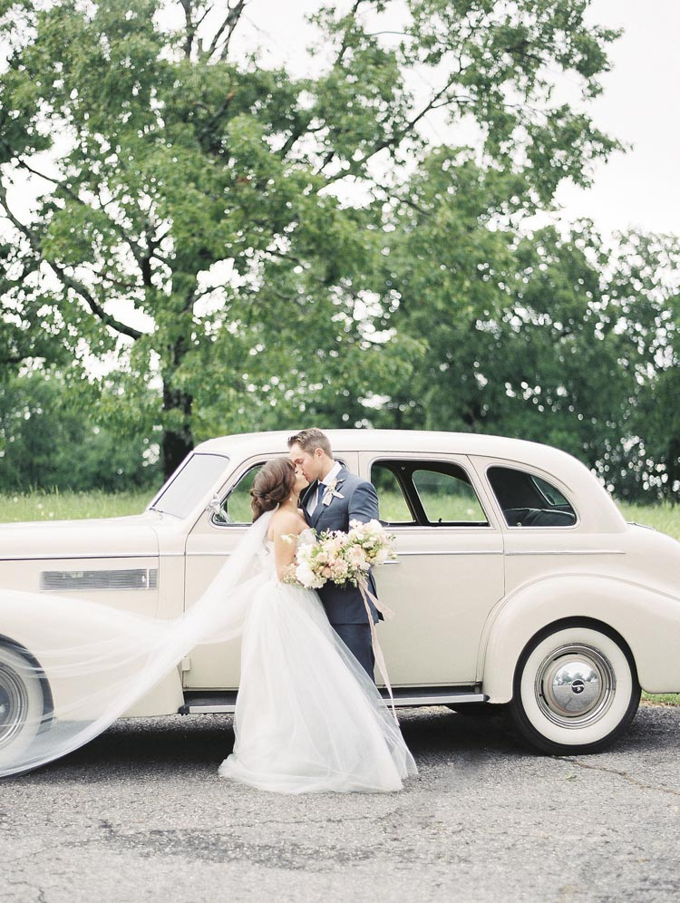 elopement_wedding_florist_coordinator_bouquet.jpg
