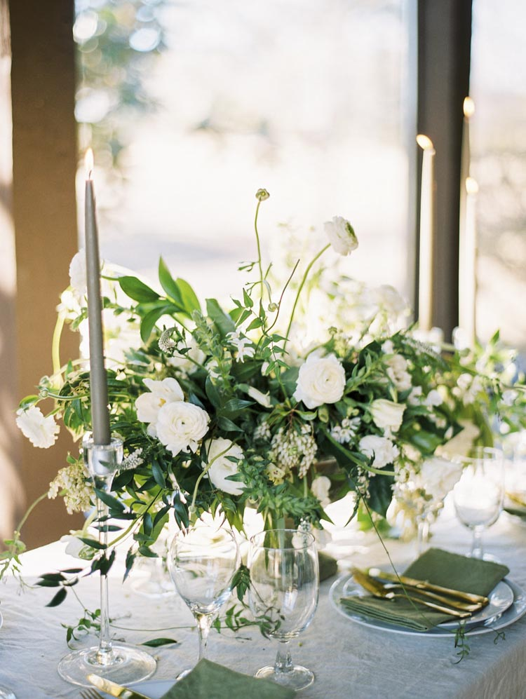 textured_bouquets_european_inspired_floral_infectious.jpg