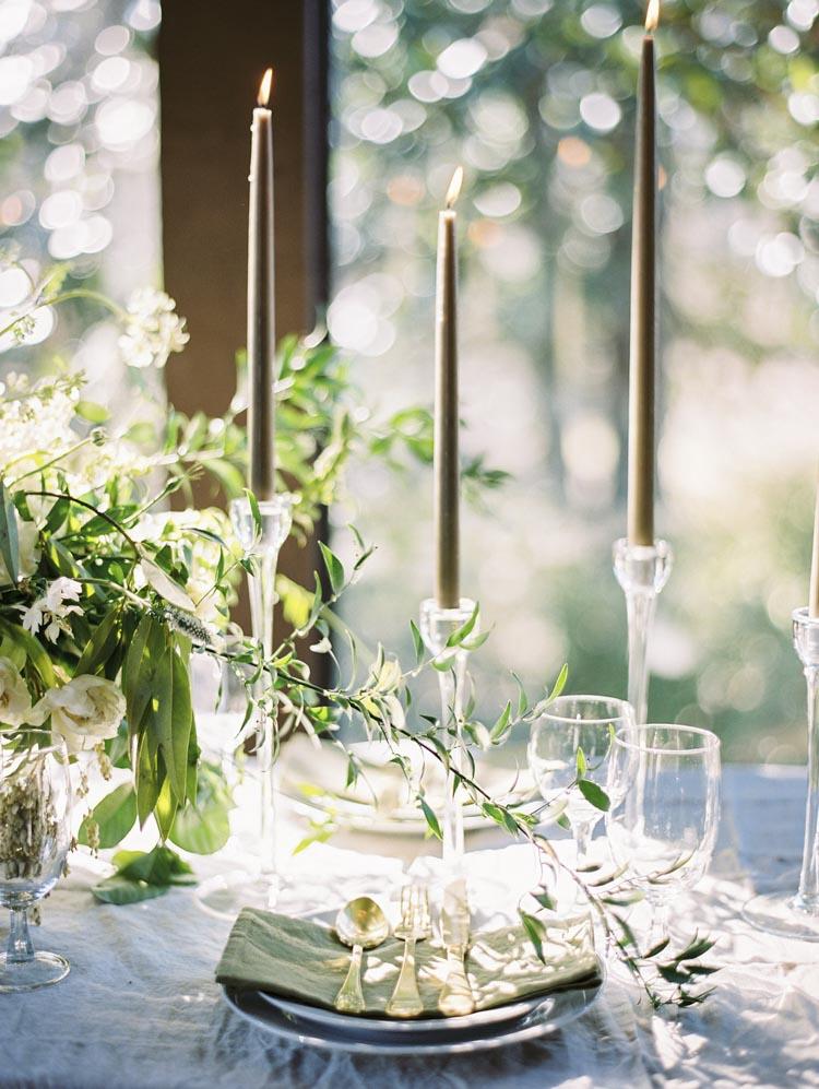 textured_bouquets_european_inspired_floral_modern_talented.jpg