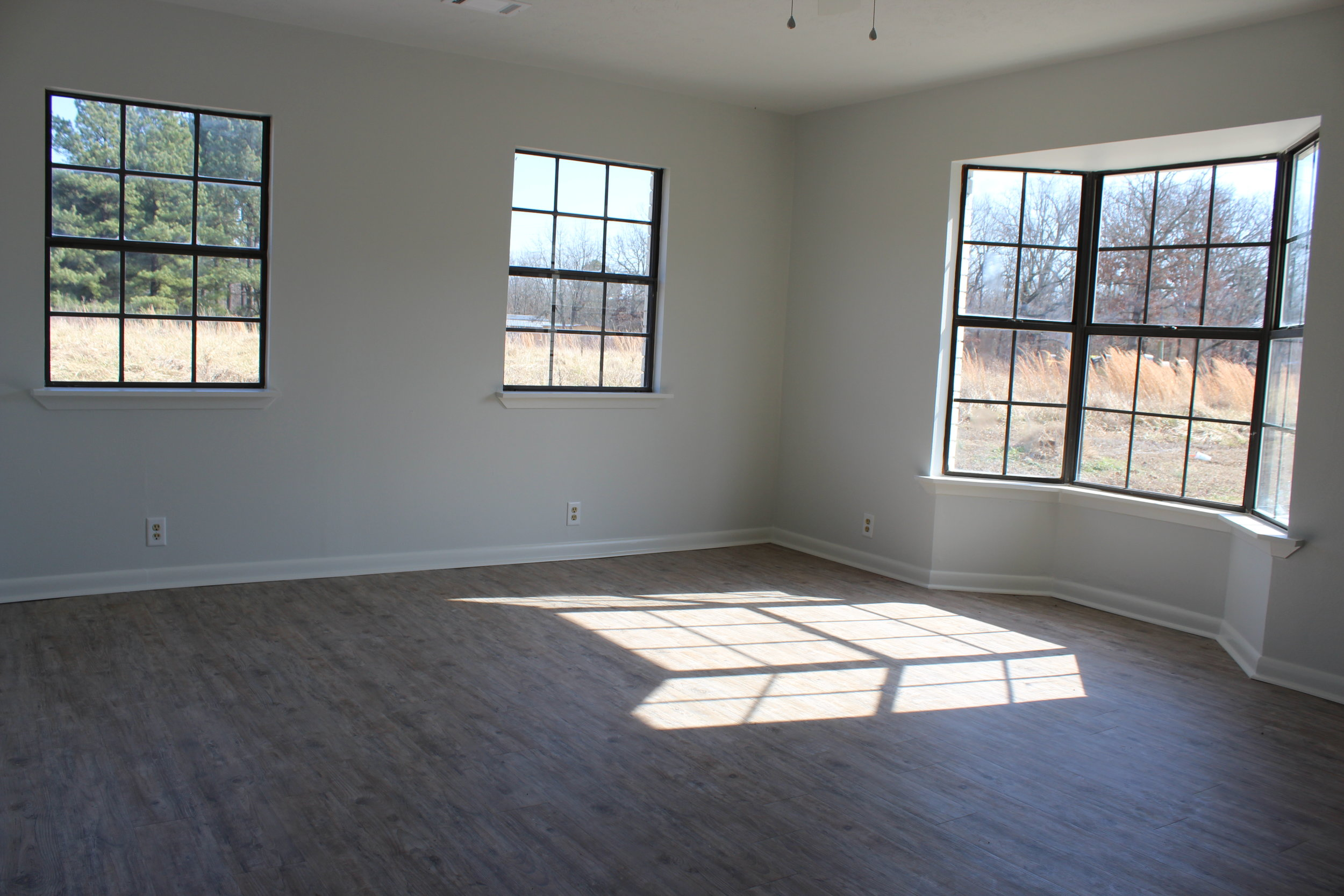 renovation_flip_house_after_picture_southern_arkansas_dining_room.JPG