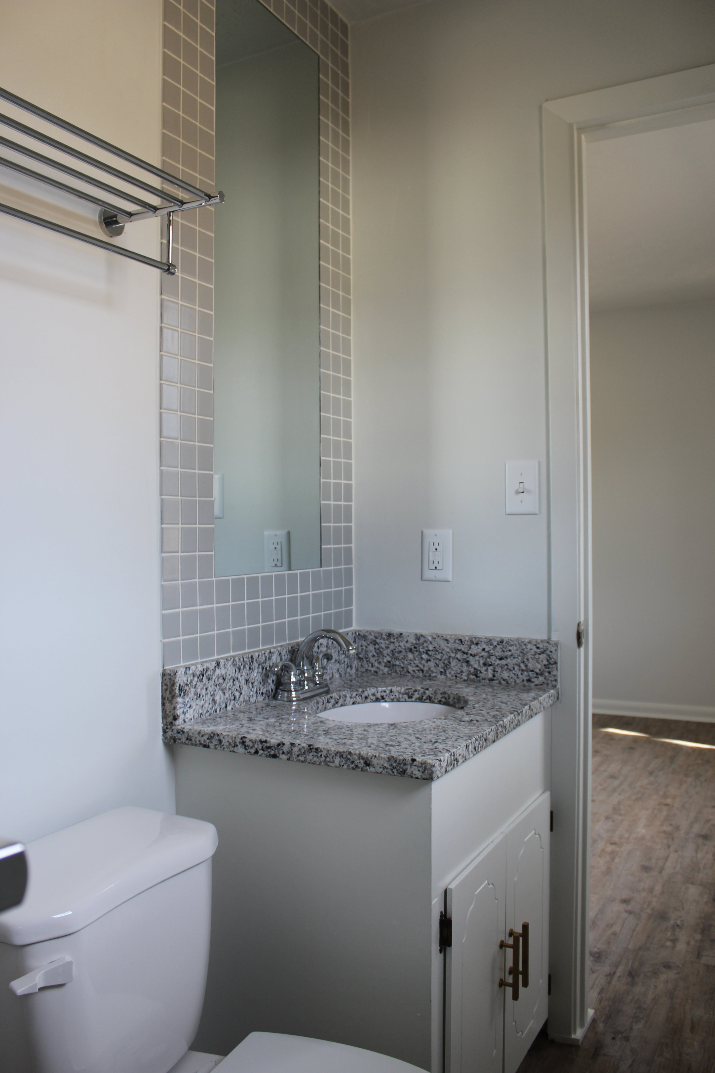 zimmerman_flip_house_after_picture_southern_arkansas_bathroom_vanity.JPG