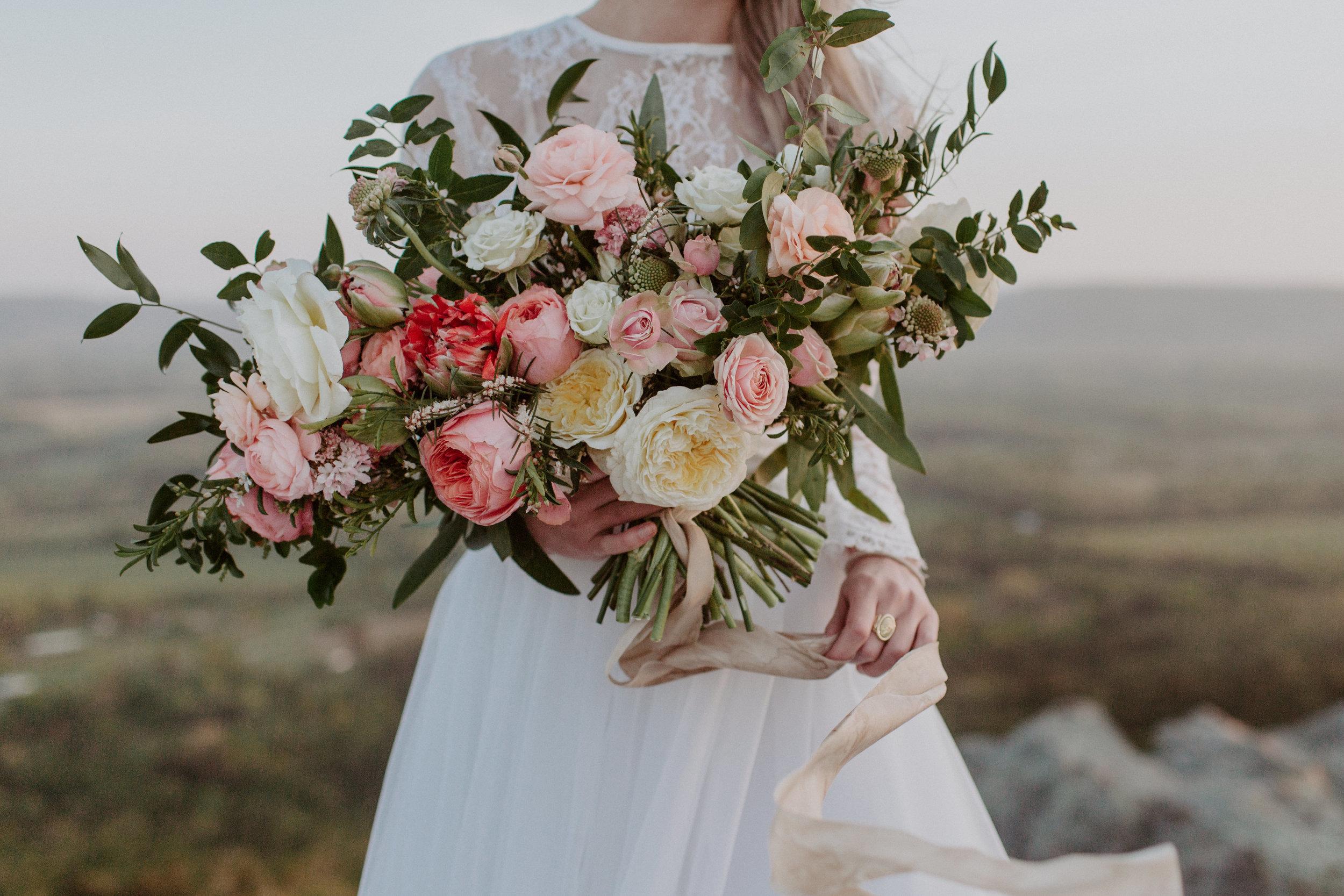 jessica-zimmerman-arkansas-florist-organic-bouquet-pale-pink.jpg