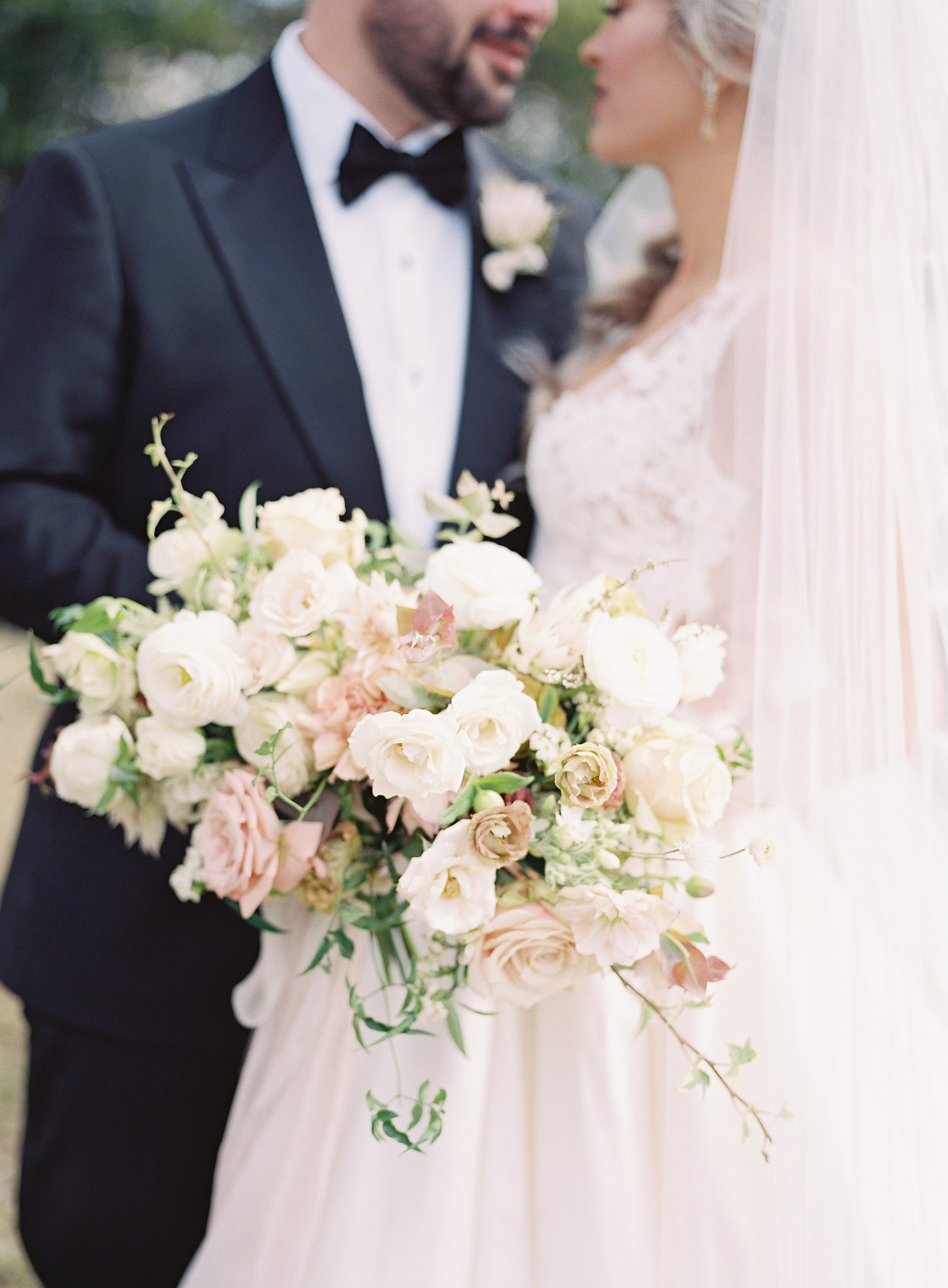 jessica-zimmerman-events-heather-payne-dan-and-shay-wedding-bouquet.jpg