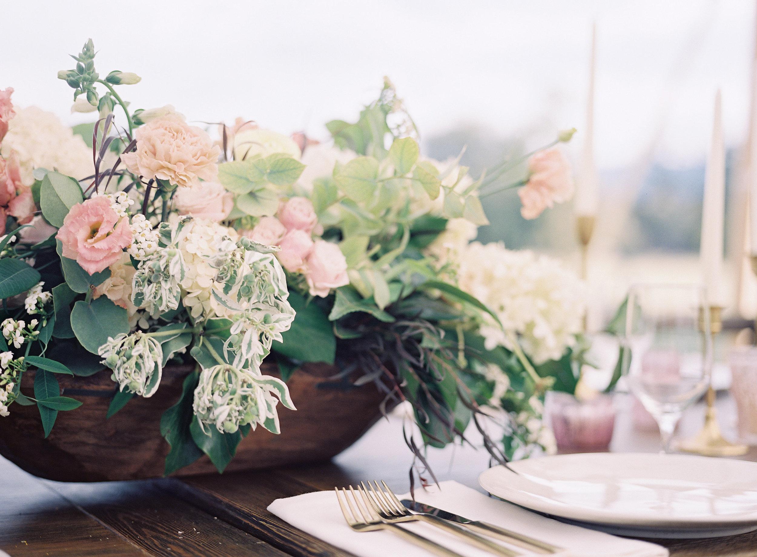 jessica-zimmerman-events-heather-payne-shay-and-hannah-wedding-reception-arrangement.jpg