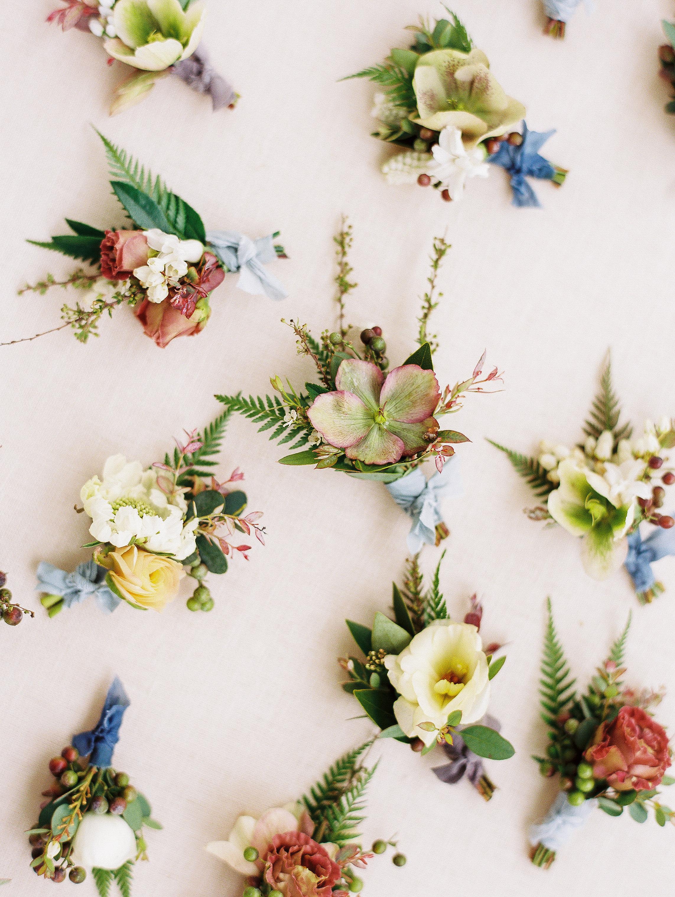 jessica-zimmerman-wedding-planner-boutonnieres.jpg