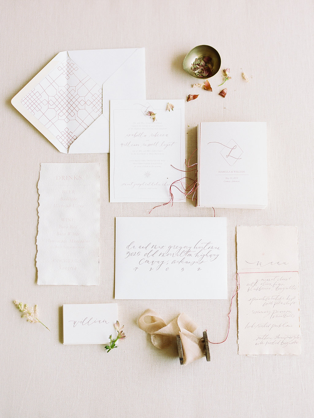 jessica-zimmerman-geometric-paper-goods-invitation-suite.jpg