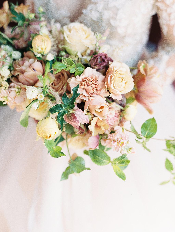 jessica-zimmerman-spring-bridal-bouquet.jpg