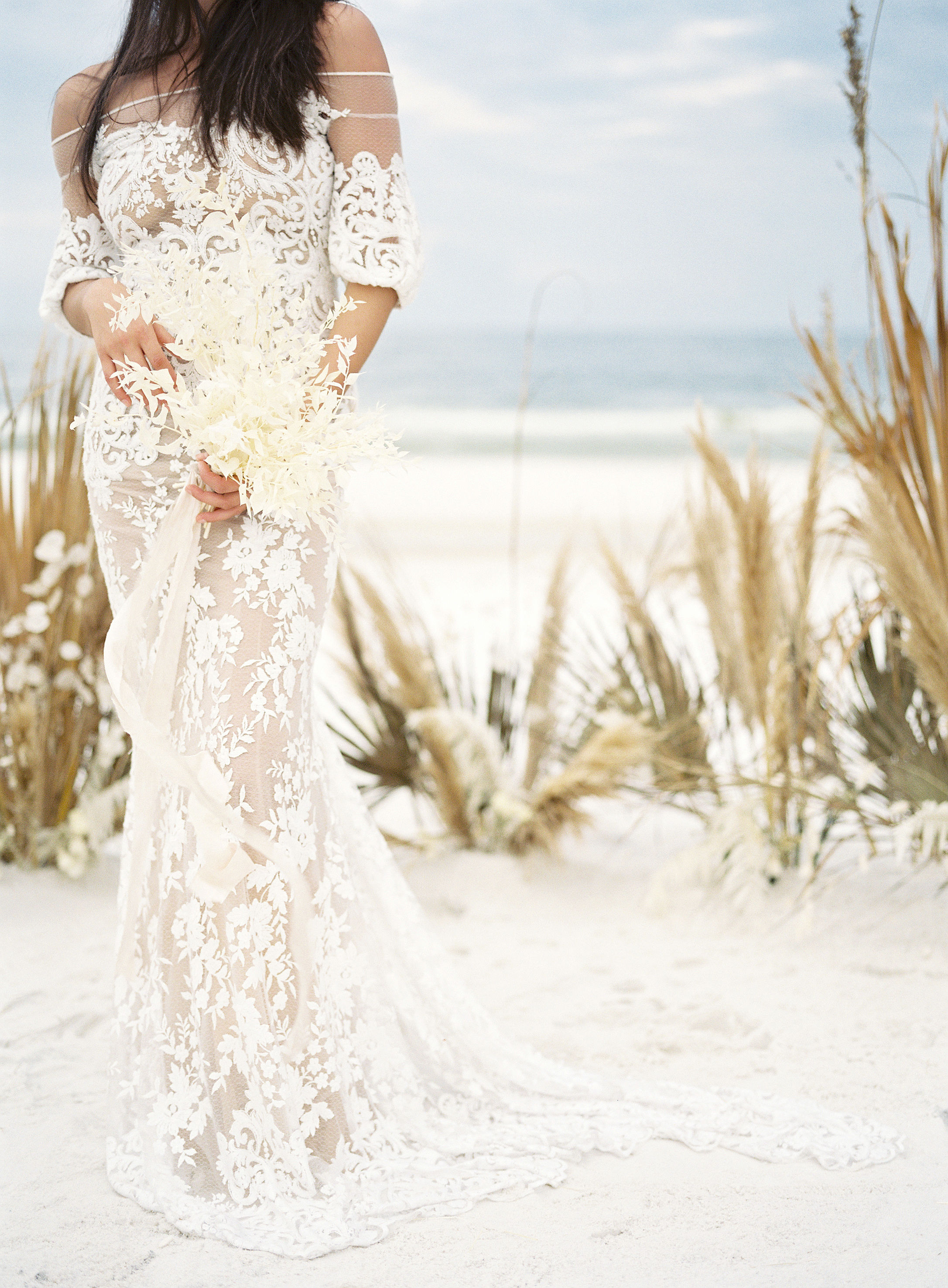 jessica-zimmerman-events-florida-beach-dried-floral.jpg