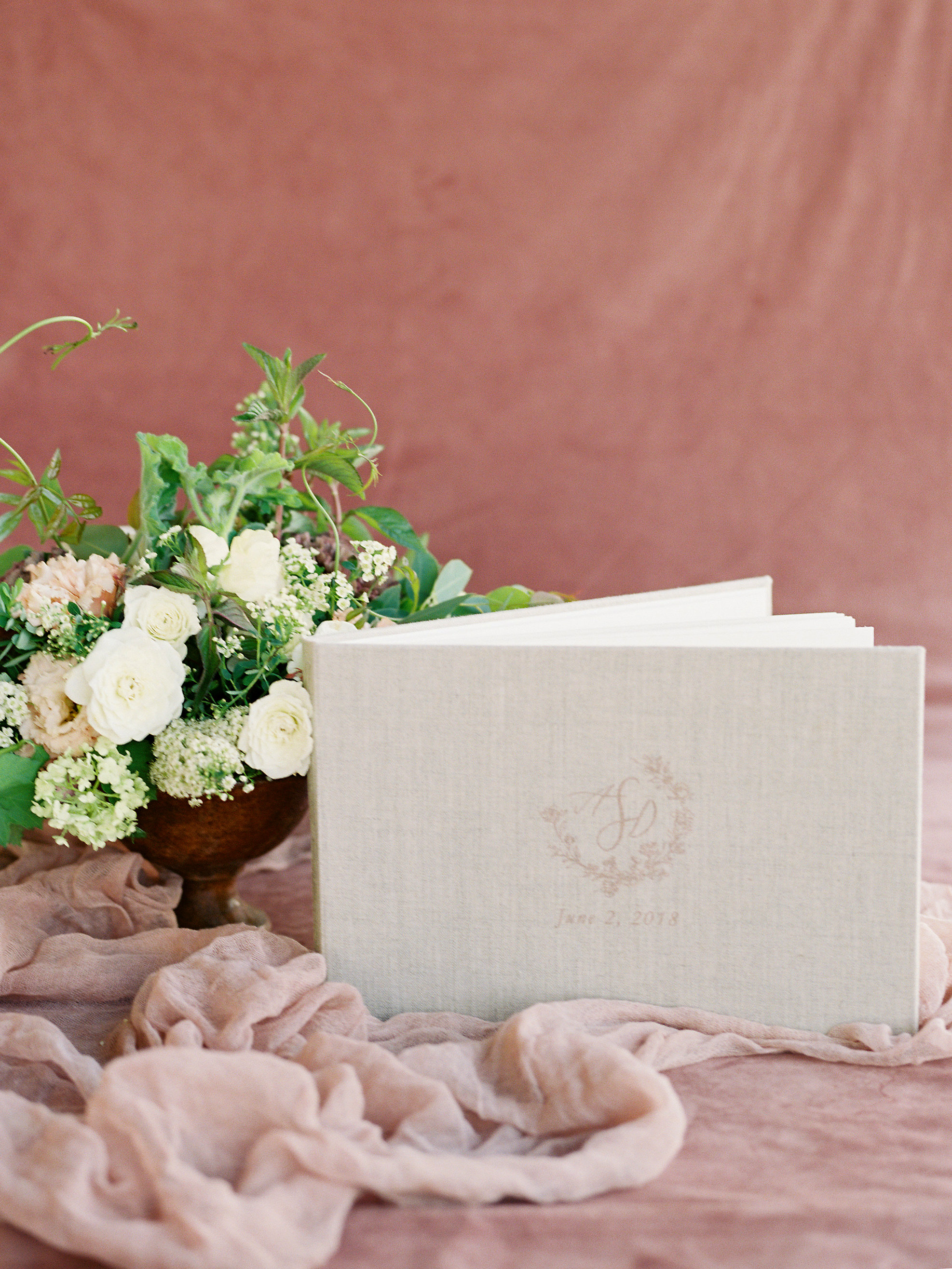 jessica-zimmerman-events-arkansas-mountain-wedding-ceremony-guest-book.jpg